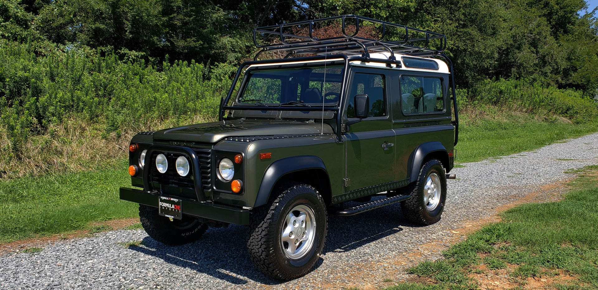 Used 1997 Land Rover DEFENDER 90 LIMITED EDITION / HARD-TOP / 4WD / FULLY RESTORED / LOW MILES for sale $119,000 at Formula Imports in Charlotte NC 28227 2