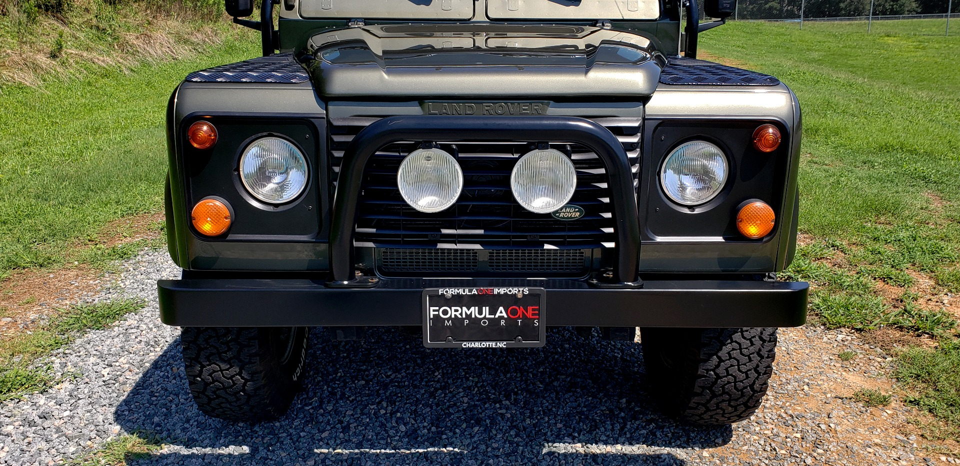 Used 1997 Land Rover DEFENDER 90 LIMITED EDITION / HARD-TOP / 4WD / FULLY RESTORED / LOW MILES for sale $119,000 at Formula Imports in Charlotte NC 28227 29