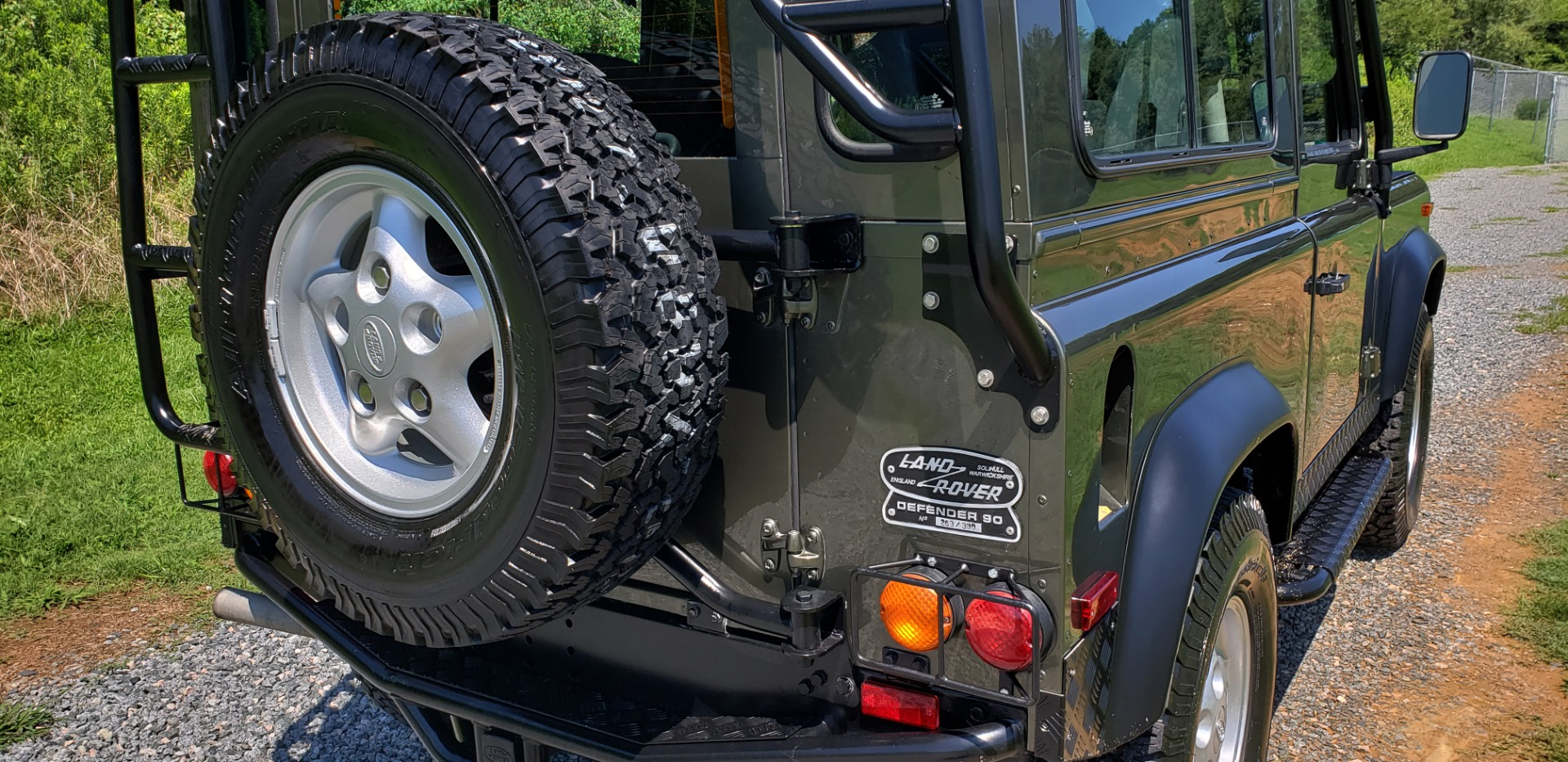 Used 1997 Land Rover DEFENDER 90 LIMITED EDITION / HARD-TOP / 4WD / FULLY RESTORED / LOW MILES for sale $119,000 at Formula Imports in Charlotte NC 28227 33