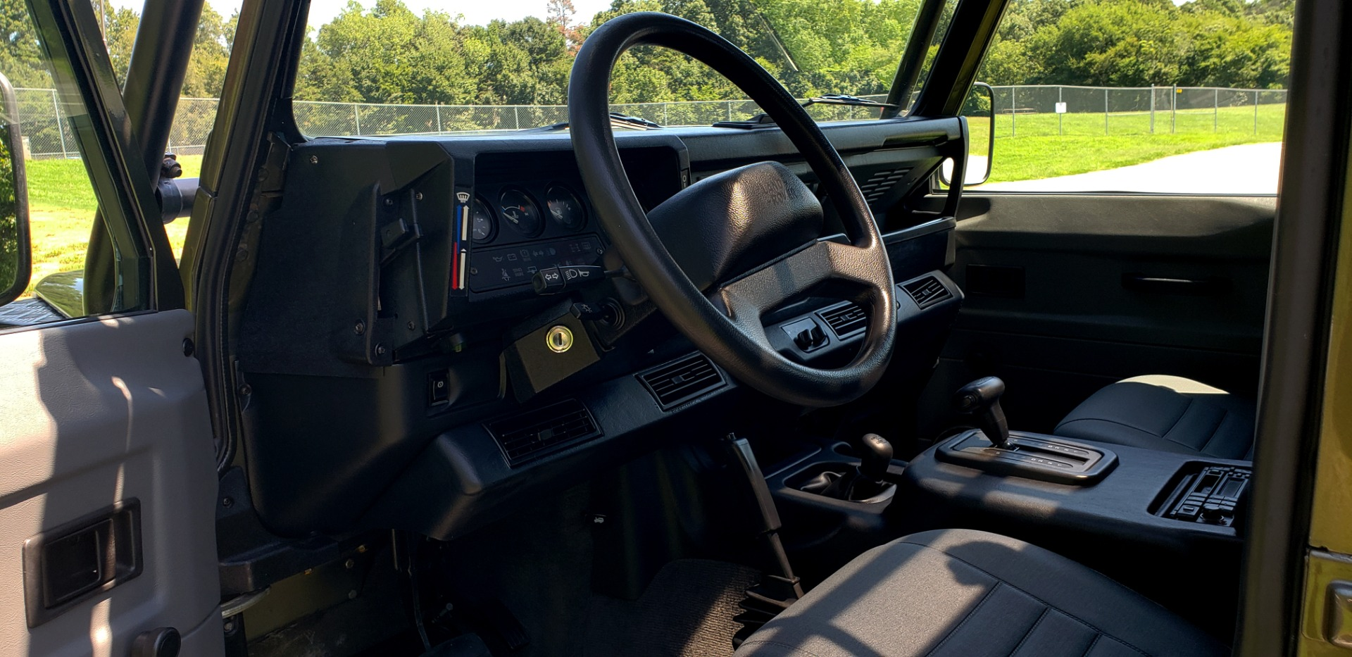 Used 1997 Land Rover DEFENDER 90 LIMITED EDITION / HARD-TOP / 4WD / FULLY RESTORED / LOW MILES for sale $119,000 at Formula Imports in Charlotte NC 28227 42