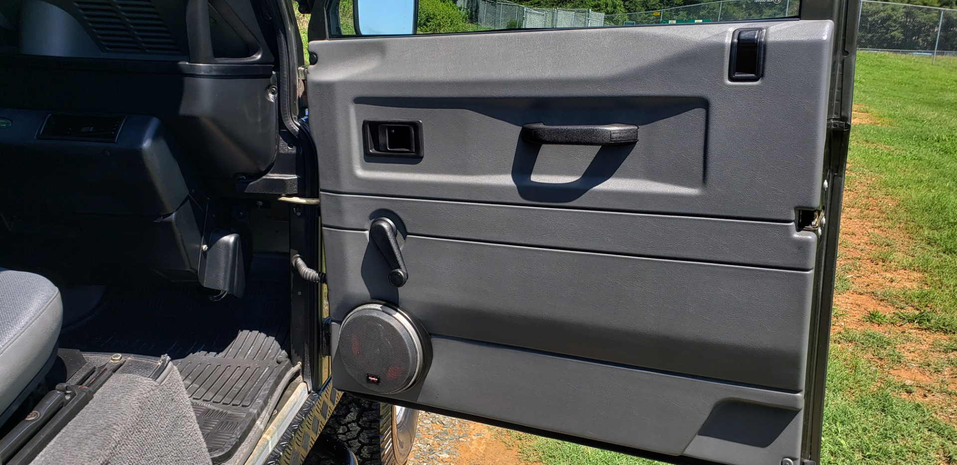 Used 1997 Land Rover DEFENDER 90 LIMITED EDITION / HARD-TOP / 4WD / FULLY RESTORED / LOW MILES for sale $119,000 at Formula Imports in Charlotte NC 28227 56