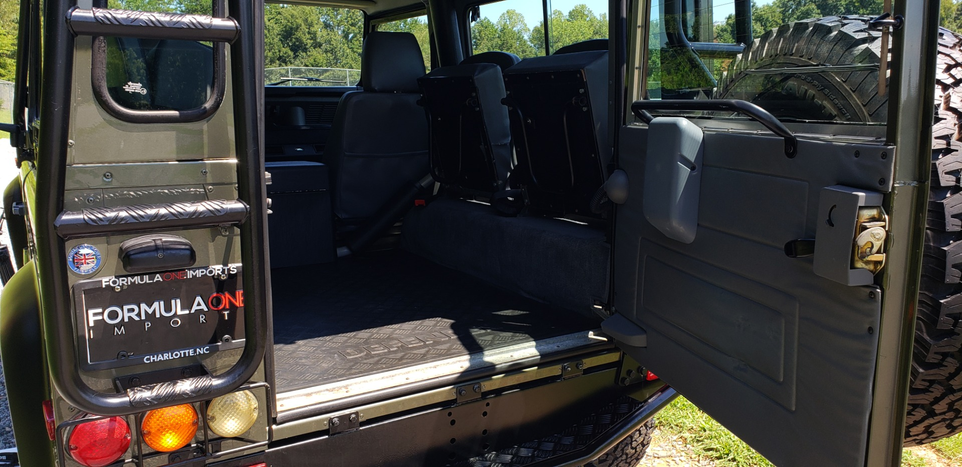Used 1997 Land Rover DEFENDER 90 LIMITED EDITION / HARD-TOP / 4WD / FULLY RESTORED / LOW MILES for sale $119,000 at Formula Imports in Charlotte NC 28227 63