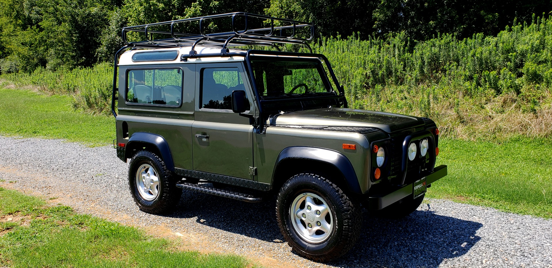 Used 1997 Land Rover DEFENDER 90 LIMITED EDITION / HARD-TOP / 4WD / FULLY RESTORED / LOW MILES for sale $119,000 at Formula Imports in Charlotte NC 28227 7