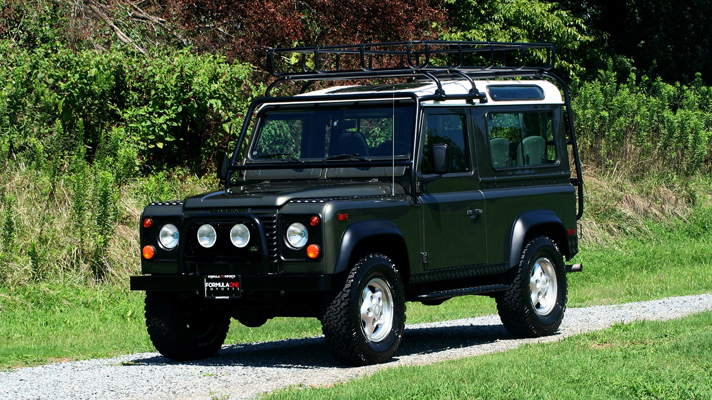 Used 1997 Land Rover DEFENDER 90 LIMITED EDITION / HARD-TOP / 4WD / FULLY RESTORED / LOW MILES for sale $119,000 at Formula Imports in Charlotte NC 28227 8