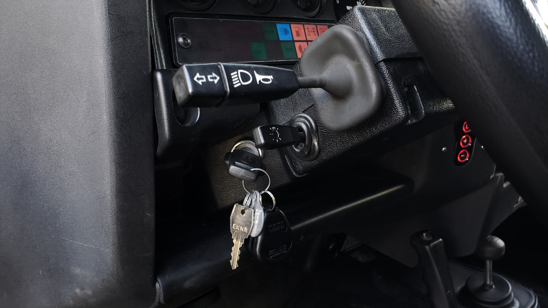 Used 1985 Land Rover DEFENDER 90 4X4 CUSTOM RESTORED 5.3L LS V8 for sale Sold at Formula Imports in Charlotte NC 28227 29