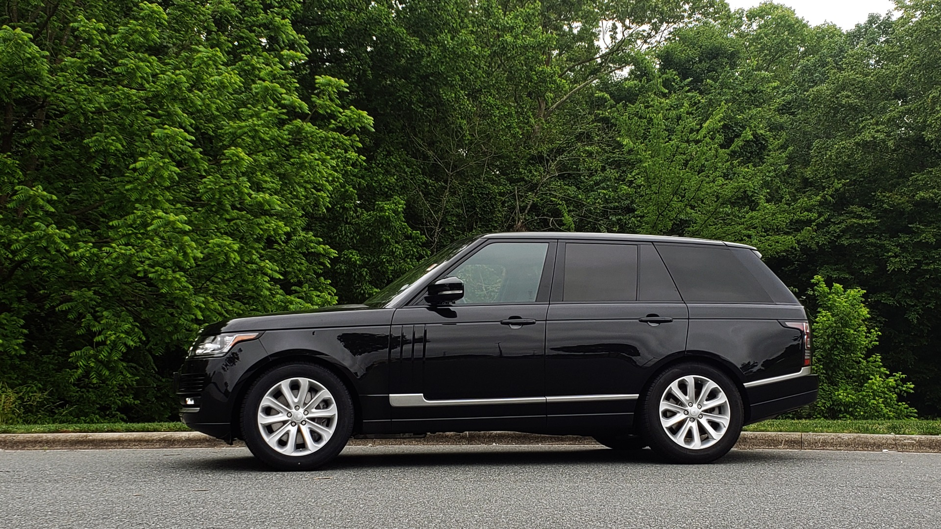 Used 2016 Land Rover Range Rover HSE for sale Sold at Formula Imports in Charlotte NC 28227 2