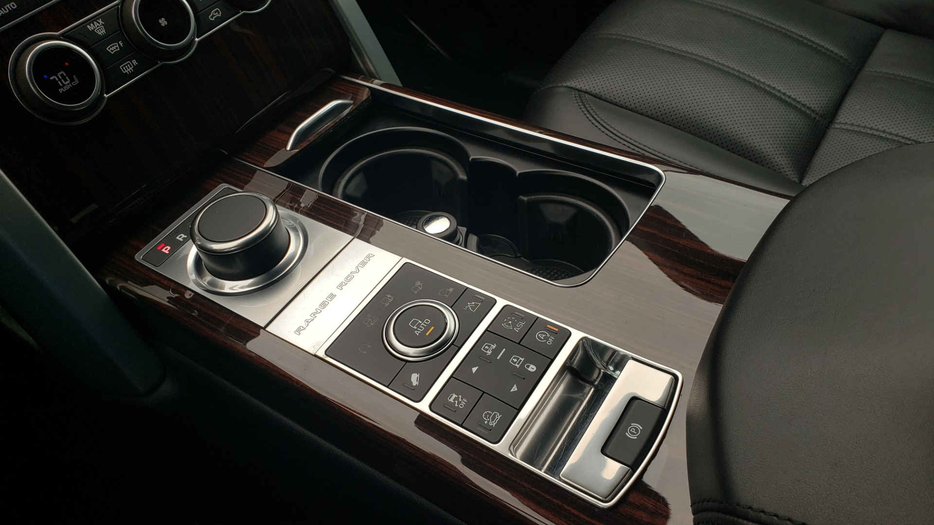 Used 2016 Land Rover Range Rover HSE 3.0L SC V6 / NAV / PANO-ROOF / VENT SEATS / REARVIEW / BLIND SPOT for sale Sold at Formula Imports in Charlotte NC 28227 53