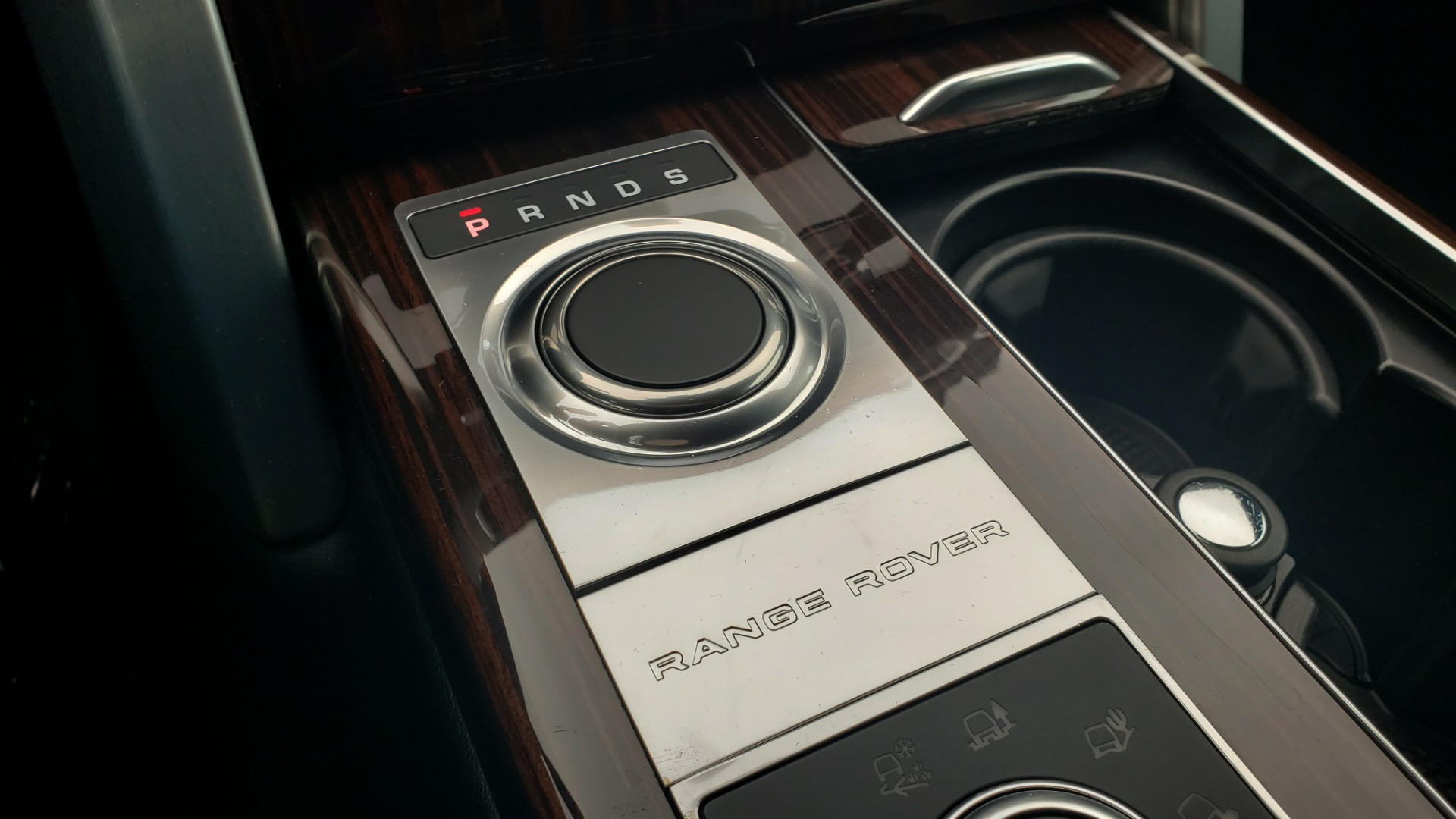 Used 2016 Land Rover Range Rover HSE 3.0L SC V6 / NAV / PANO-ROOF / VENT SEATS / REARVIEW / BLIND SPOT for sale Sold at Formula Imports in Charlotte NC 28227 54