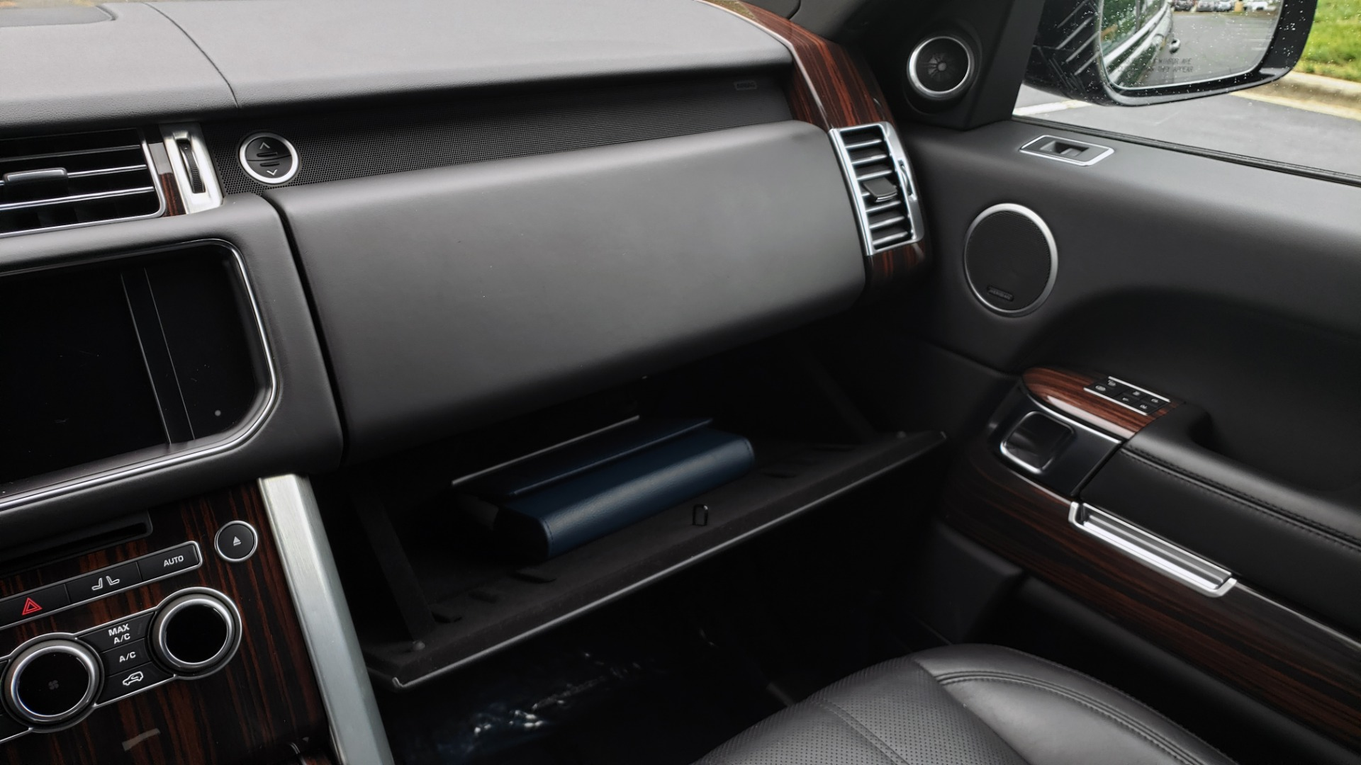 Used 2016 Land Rover Range Rover HSE 3.0L SC V6 / NAV / PANO-ROOF / VENT SEATS / REARVIEW / BLIND SPOT for sale Sold at Formula Imports in Charlotte NC 28227 55