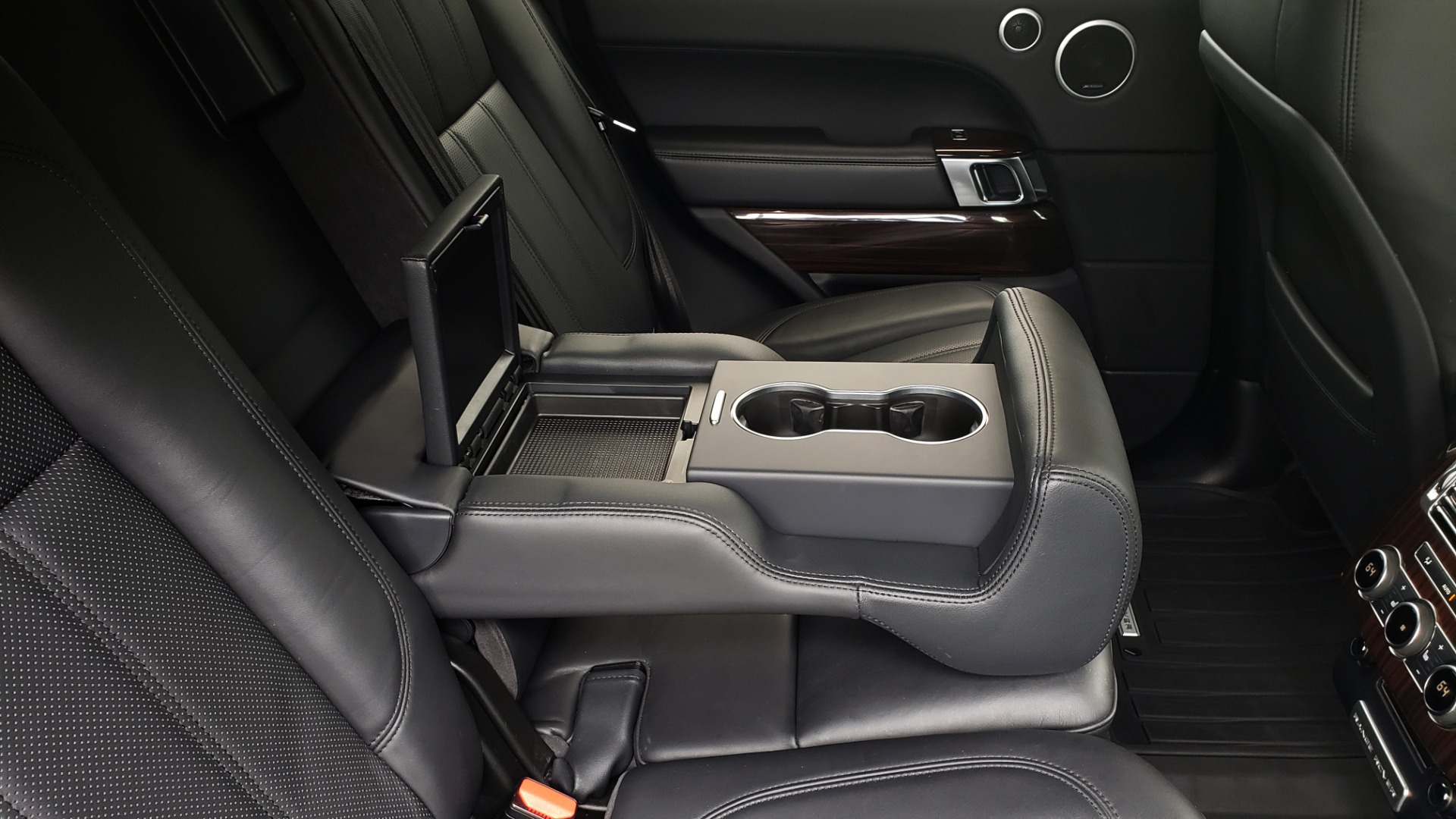 Used 2016 Land Rover Range Rover HSE 3.0L SC V6 / NAV / PANO-ROOF / VENT SEATS / REARVIEW / BLIND SPOT for sale Sold at Formula Imports in Charlotte NC 28227 78