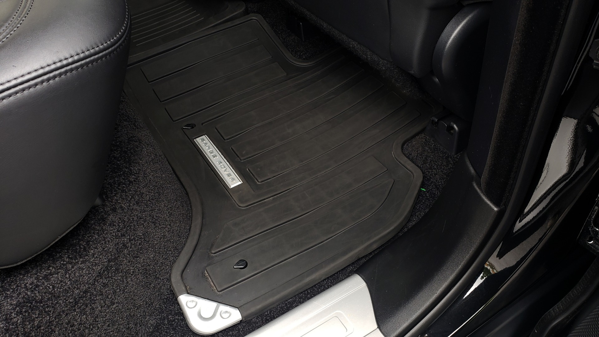 Used 2016 Land Rover Range Rover HSE 3.0L SC V6 / NAV / PANO-ROOF / VENT SEATS / REARVIEW / BLIND SPOT for sale Sold at Formula Imports in Charlotte NC 28227 80