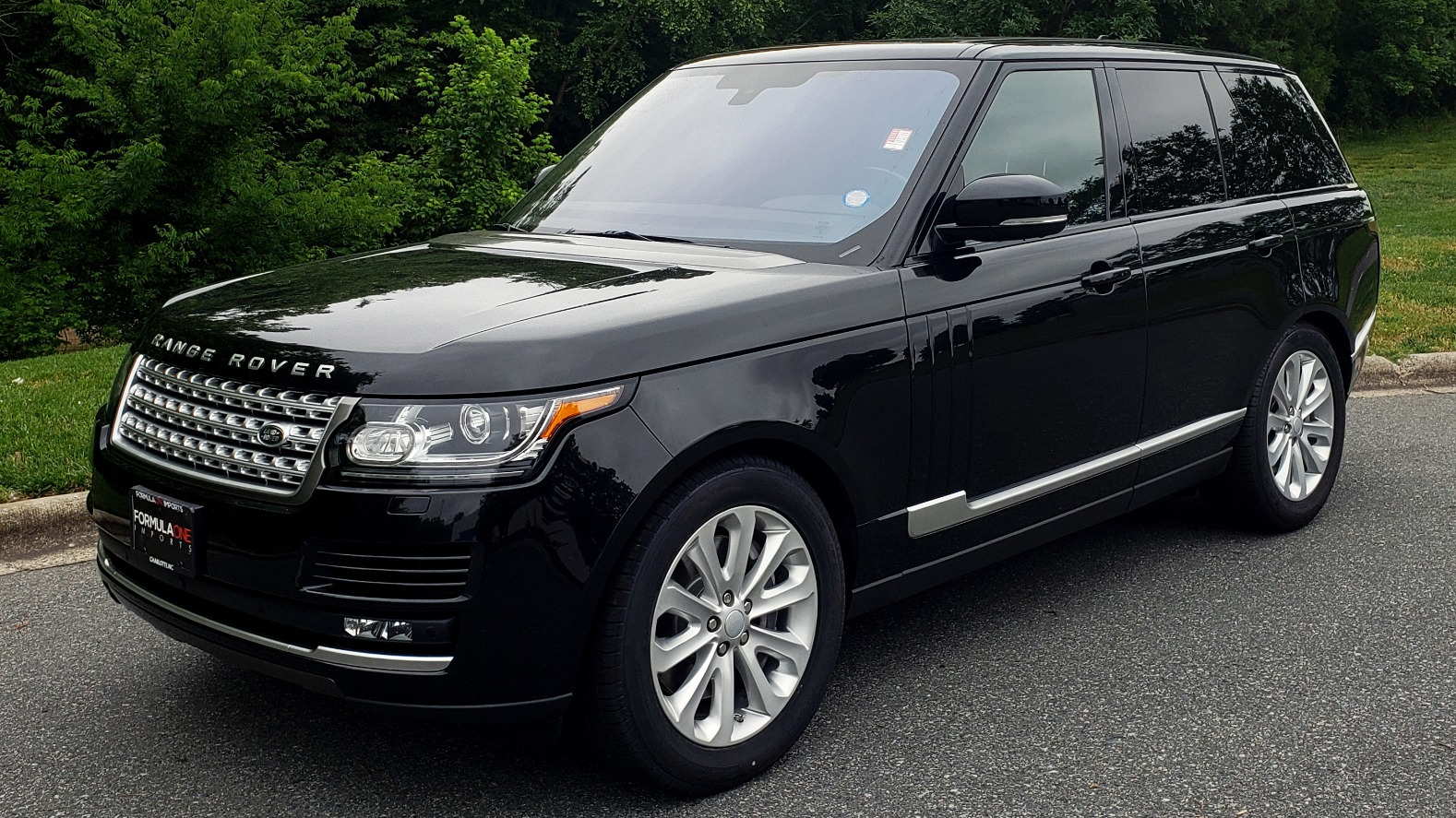 Used 2016 Land Rover Range Rover HSE 3.0L SC V6 / NAV / PANO-ROOF / VENT SEATS / REARVIEW / BLIND SPOT for sale Sold at Formula Imports in Charlotte NC 28227 1