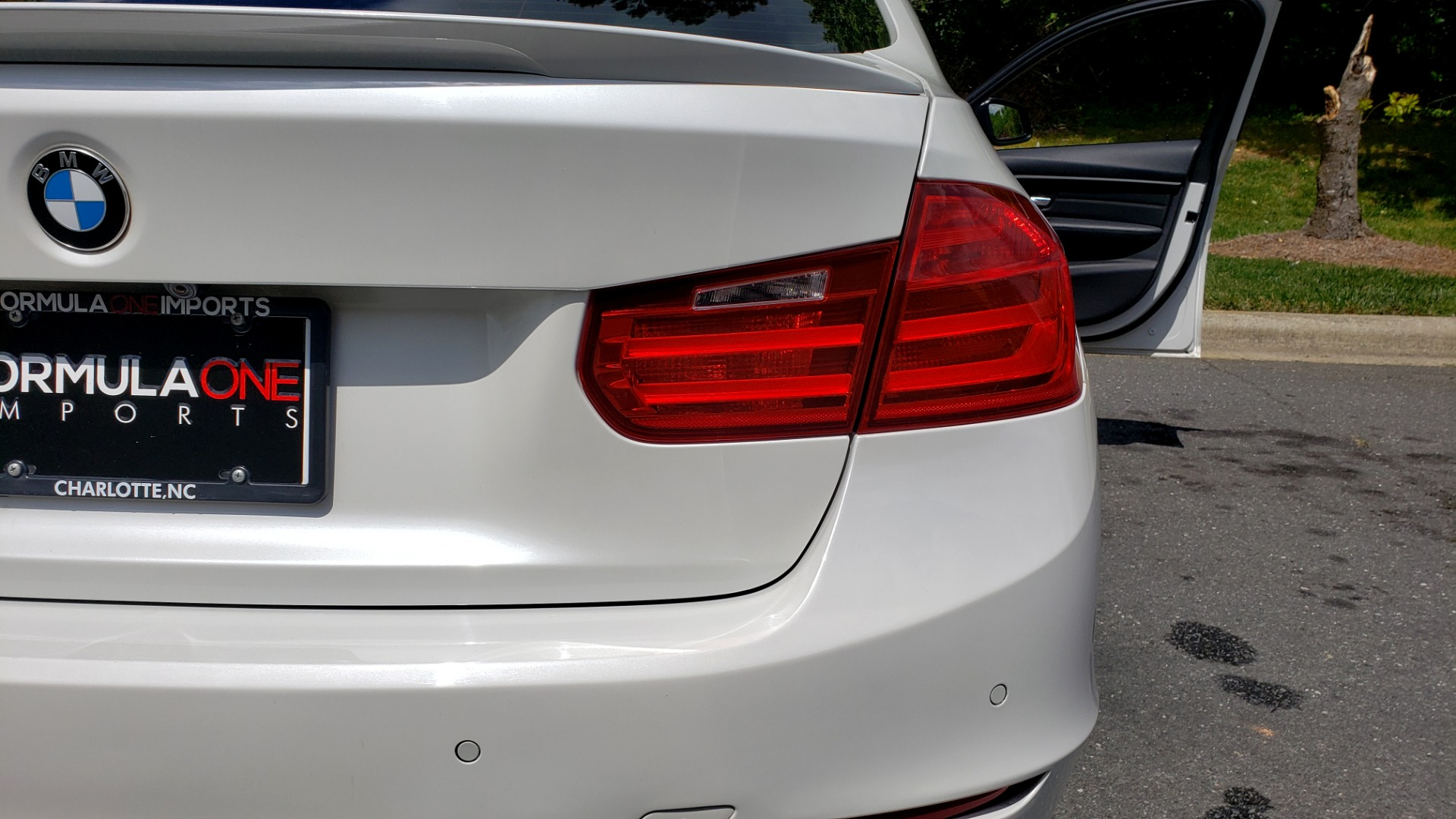 Used 2015 BMW 3 SERIES 328I PREMIUM / NAV / SUNROOF / HTD STS / DRIVER ASST / REARVIEW for sale Sold at Formula Imports in Charlotte NC 28227 27