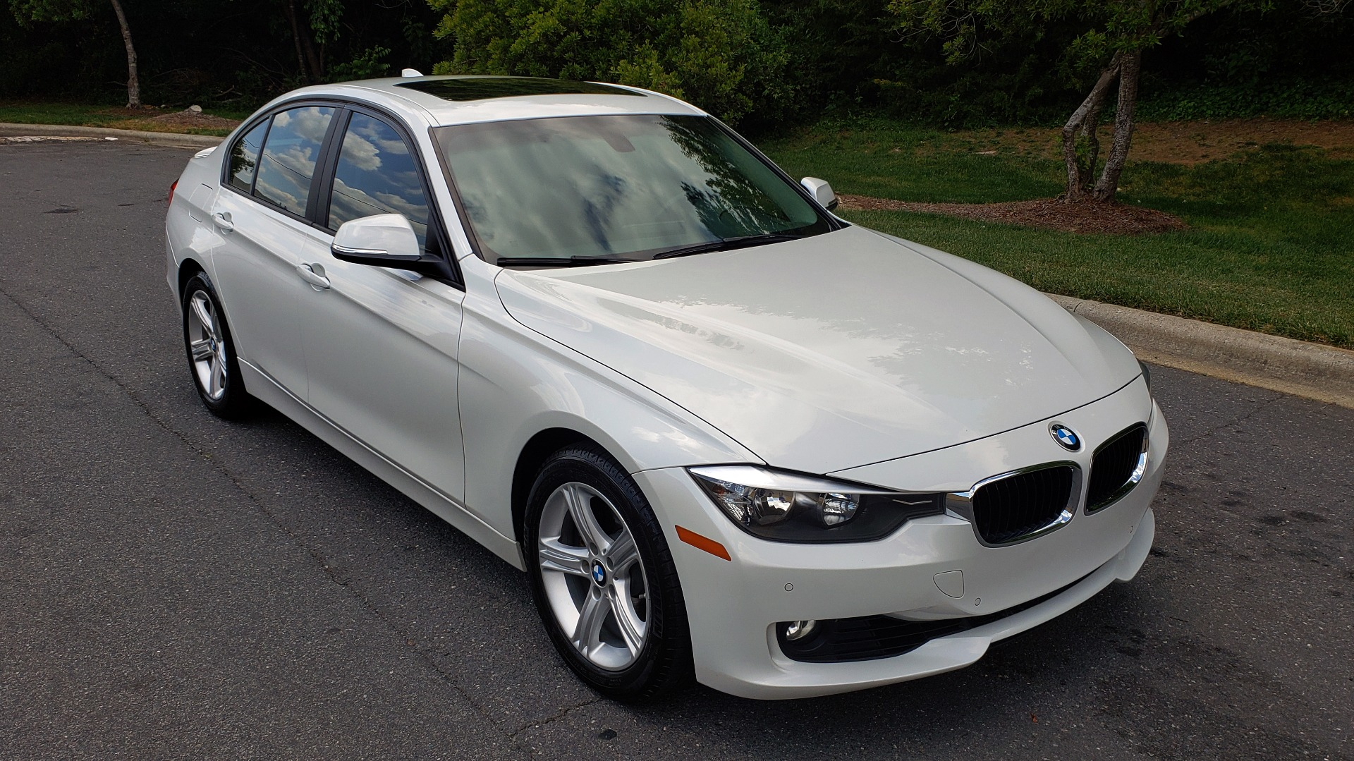 Used 2015 BMW 3 SERIES 328I PREMIUM / NAV / SUNROOF / HTD STS / DRIVER ASST / REARVIEW for sale Sold at Formula Imports in Charlotte NC 28227 4