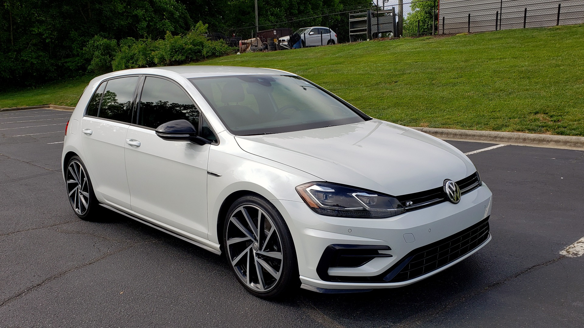 Used 2018 Volkswagen GOLF R 2.0T W/DCC & NAVIGATION / 6-SPD MANUAL / AWD for sale Sold at Formula Imports in Charlotte NC 28227 4