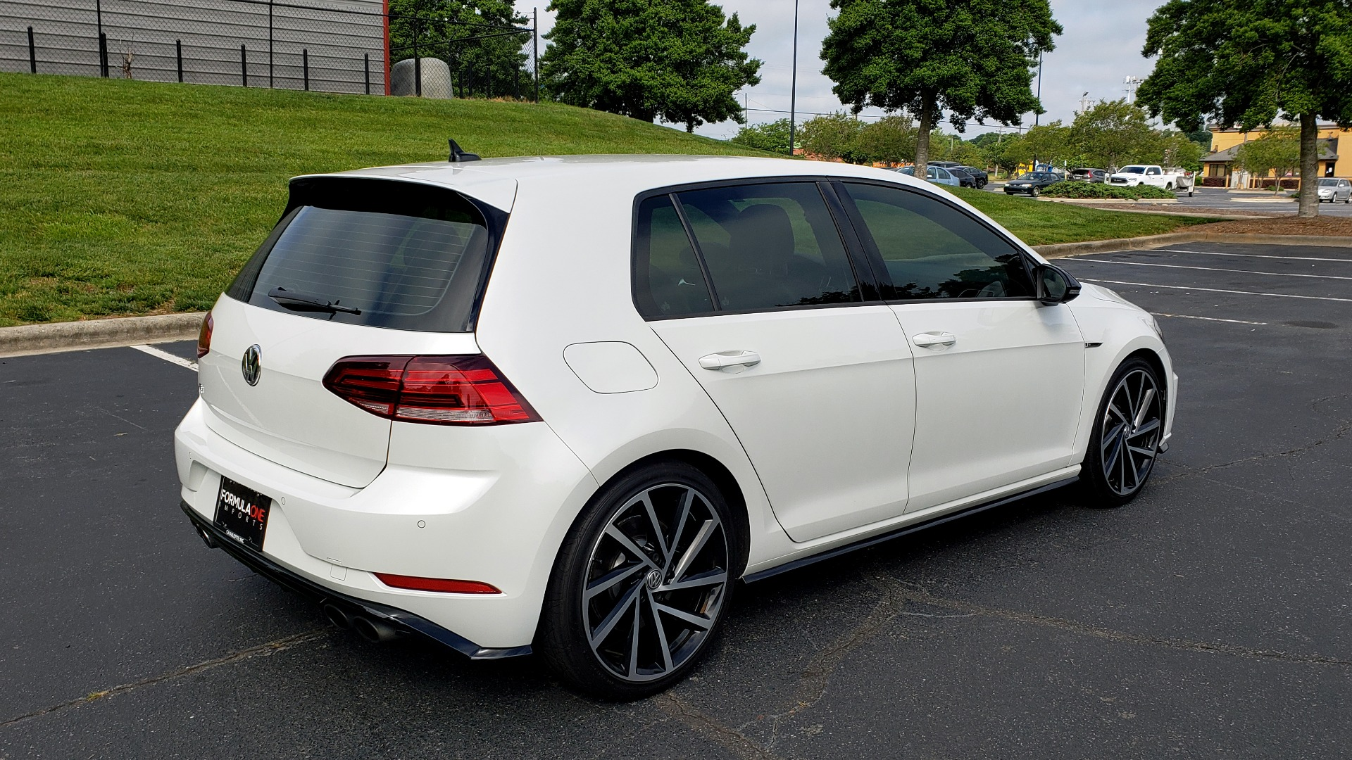 Used 2018 Volkswagen GOLF R 2.0T W/DCC & NAVIGATION / 6-SPD MANUAL / AWD for sale Sold at Formula Imports in Charlotte NC 28227 6