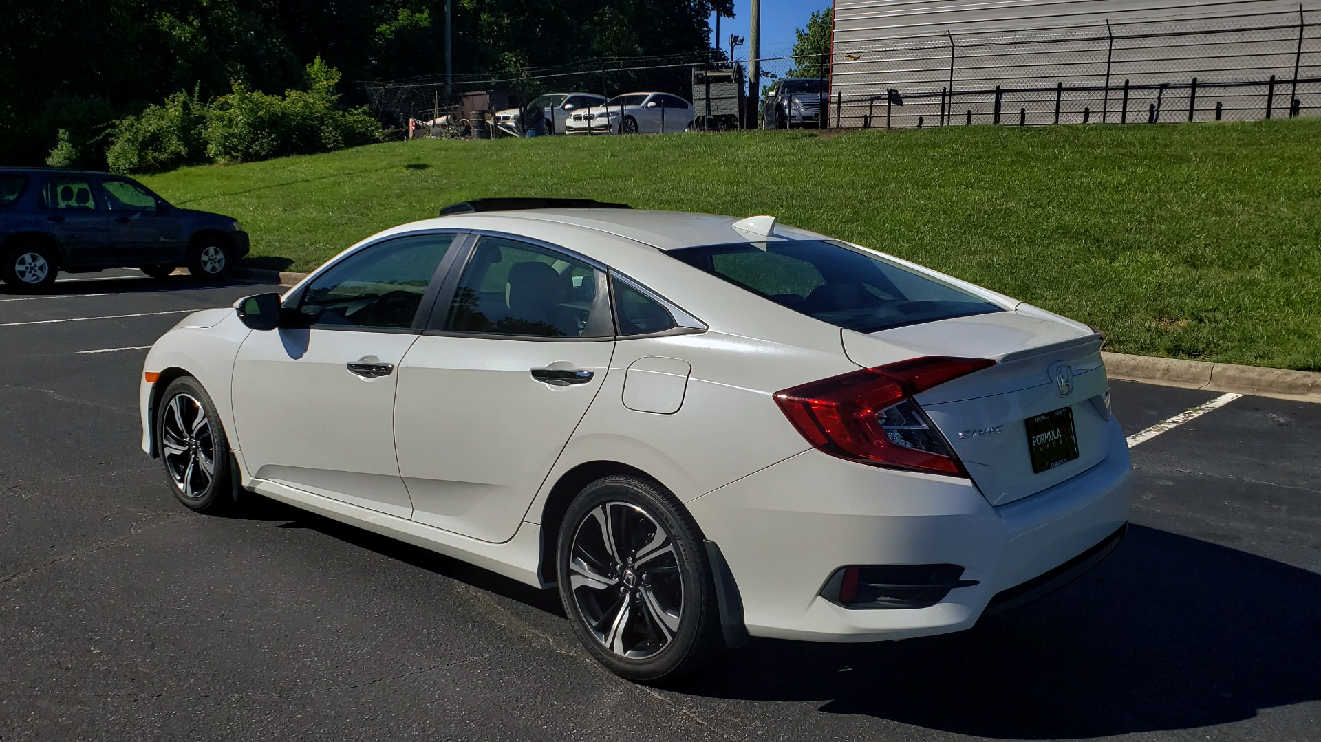 Used 2016 Honda CIVIC SEDAN TOURING / NAV / SUNROOF / REARVIEW / HEATED SEATS for sale Sold at Formula Imports in Charlotte NC 28227 3