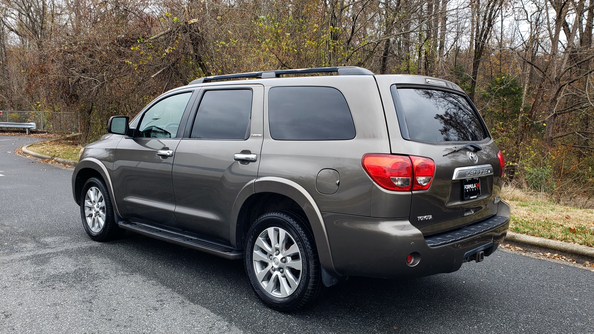 Used 2008 Toyota SEQUOIA LIMITED / COLD AREA PKG / SUNROOF / DVD ENTERTAINMENT for sale Sold at Formula Imports in Charlotte NC 28227 3