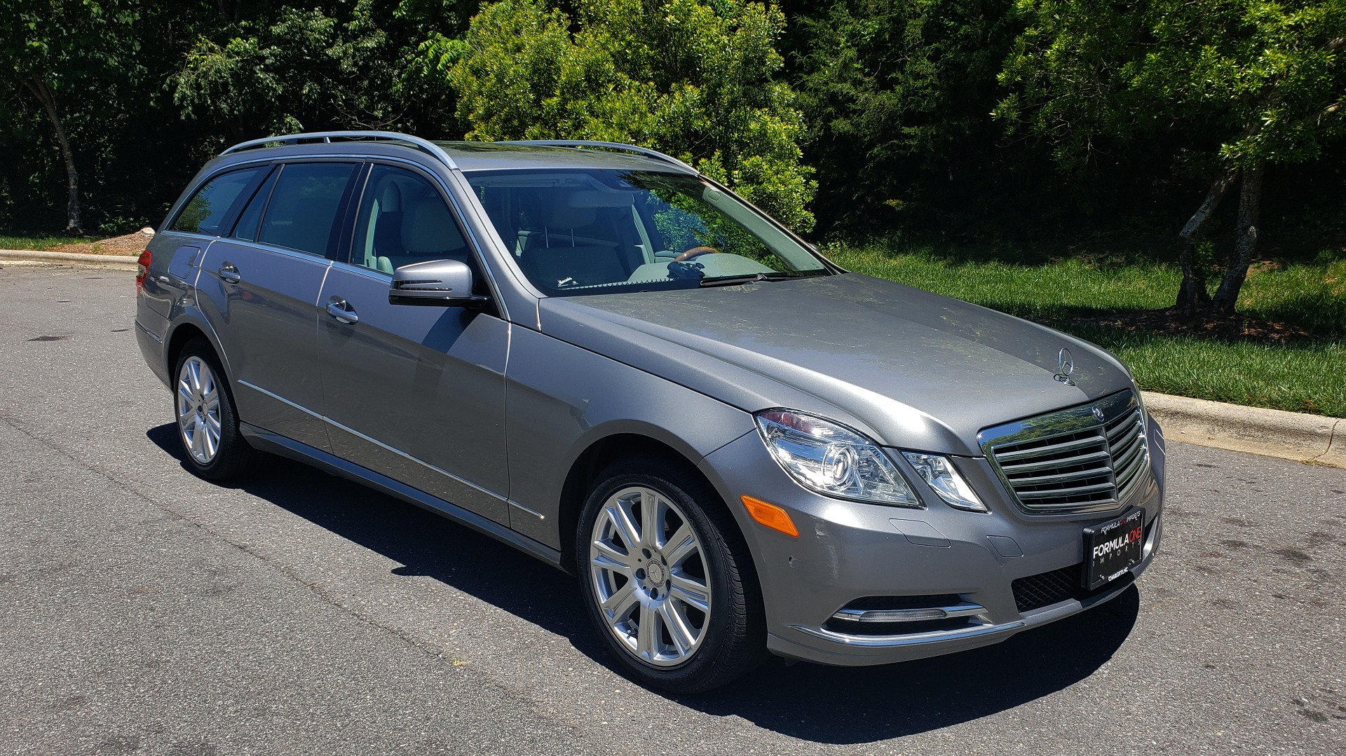 Used 2013 Mercedes-Benz E-CLASS E 350 LUXURY 4MATIC WAGON / PREM PKG / SNRF / LANE TRACK for sale Sold at Formula Imports in Charlotte NC 28227 4