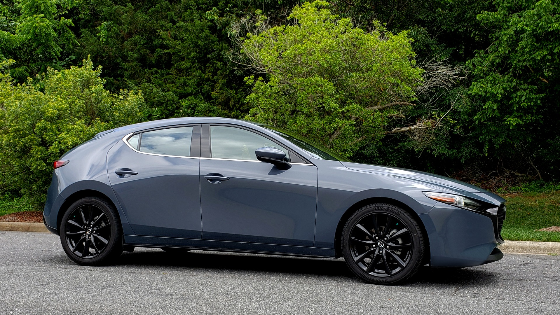 Used 2019 Mazda MAZDA3 HATCHBACK PREMIUM PKG / AUTO / 18IN BLACK ALLOY WHEELS / BOSE / LEATHER for sale Sold at Formula Imports in Charlotte NC 28227 5