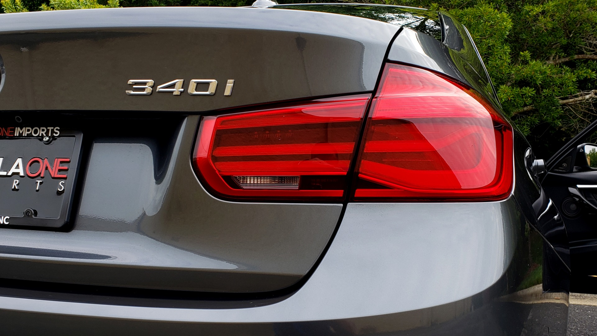 Used 2017 BMW 3 SERIES 340I XDRIVE SPORT / NAV / DRVR ASST PLUS / PARK ASST / CLD WTHR for sale $28,995 at Formula Imports in Charlotte NC 28227 25