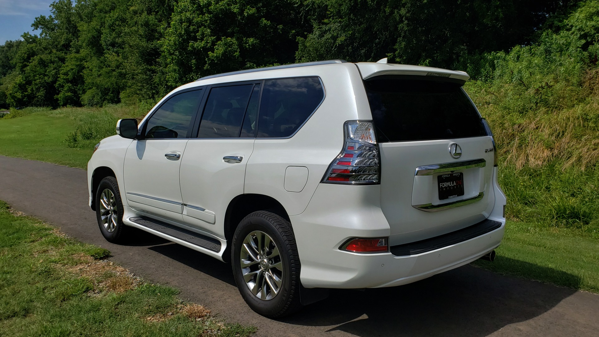Used 2019 Lexus GX 460 LUXURY 4WD / DRVR SPRT PKG / MARK LEV SND / DYN CRUISE for sale Sold at Formula Imports in Charlotte NC 28227 3