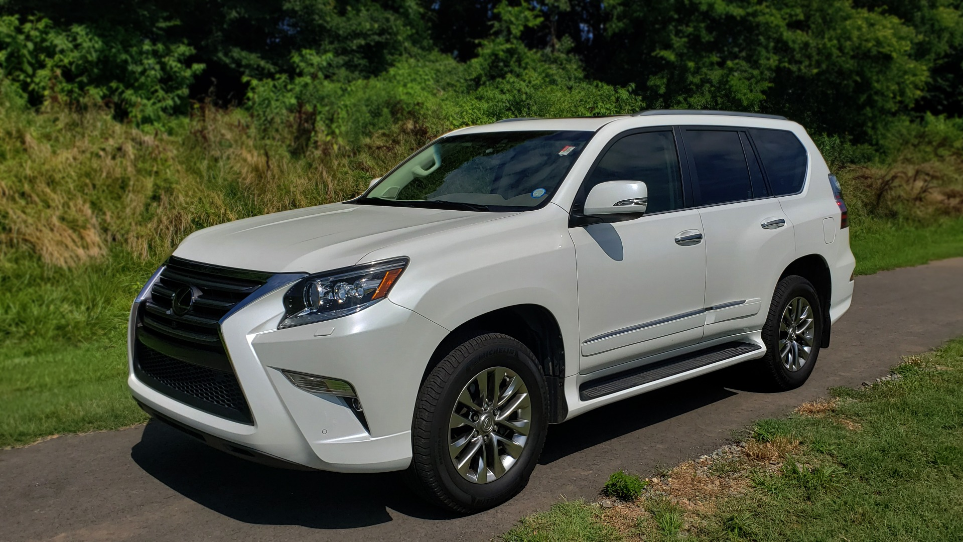 Used 2019 Lexus GX 460 LUXURY 4WD / DRVR SPRT PKG / MARK LEV SND / DYN CRUISE for sale Sold at Formula Imports in Charlotte NC 28227 1