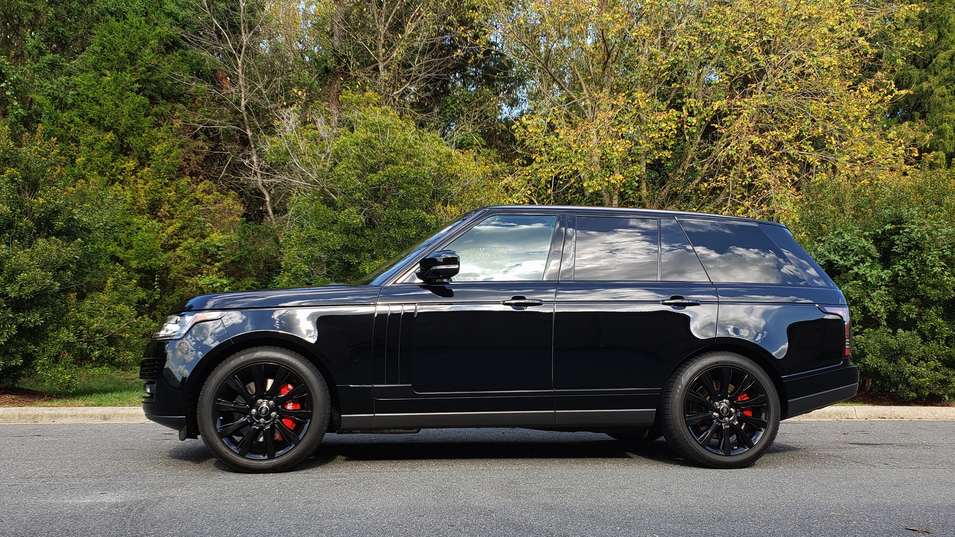 Used 2017 Land Rover RANGE ROVER SC V8 / NAV / PANO-ROOF / DRIVE PRO / MERIDIAN / REARVIEW for sale $68,995 at Formula Imports in Charlotte NC 28227 2