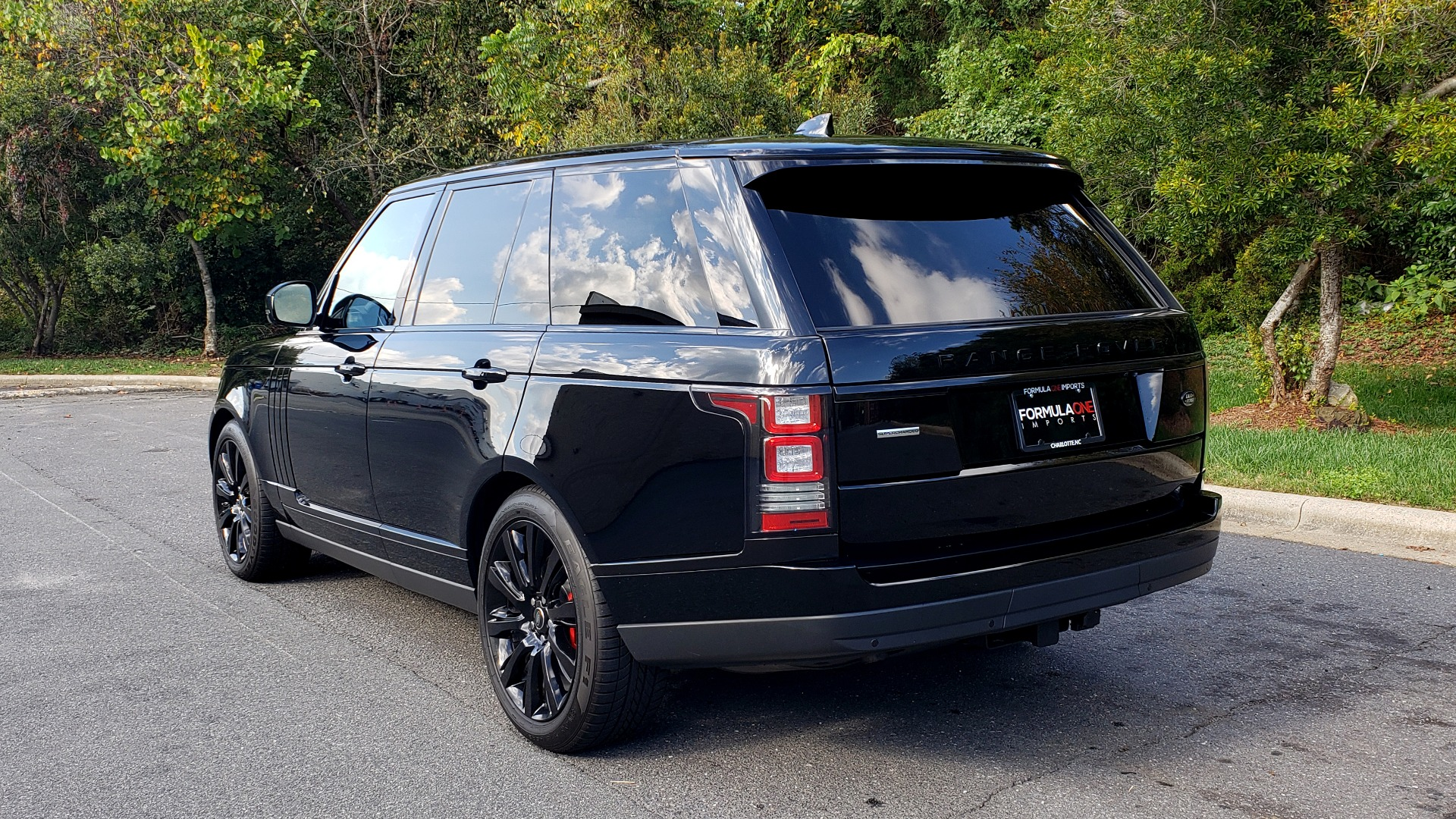 Used 2017 Land Rover RANGE ROVER SC V8 / NAV / PANO-ROOF / DRIVE PRO / MERIDIAN / REARVIEW for sale Sold at Formula Imports in Charlotte NC 28227 3