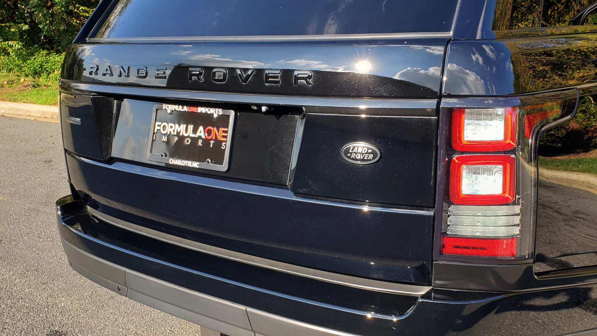 Used 2017 Land Rover RANGE ROVER SC V8 / NAV / PANO-ROOF / DRIVE PRO / MERIDIAN / REARVIEW for sale $68,995 at Formula Imports in Charlotte NC 28227 31