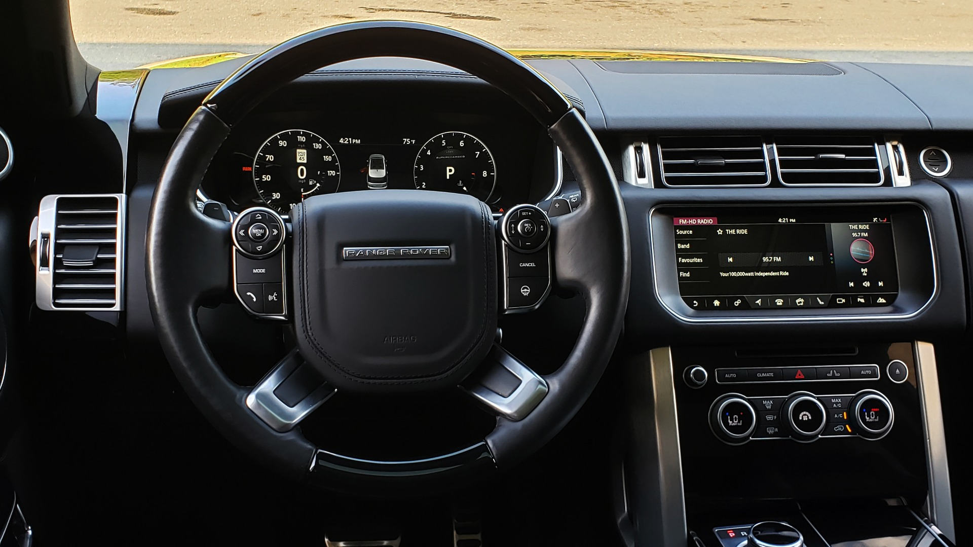 Used 2017 Land Rover RANGE ROVER SC V8 / NAV / PANO-ROOF / DRIVE PRO / MERIDIAN / REARVIEW for sale $68,995 at Formula Imports in Charlotte NC 28227 43