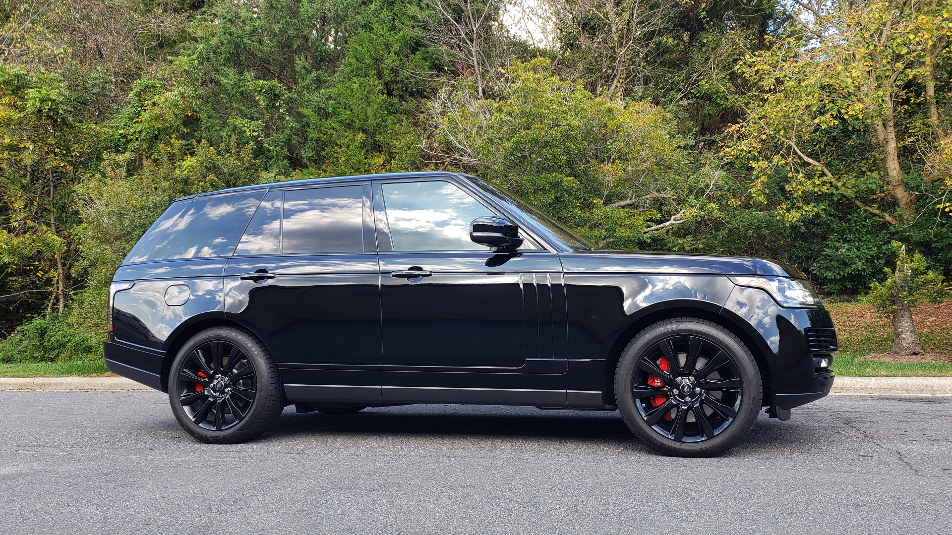 Used 2017 Land Rover RANGE ROVER SC V8 / NAV / PANO-ROOF / DRIVE PRO / MERIDIAN / REARVIEW for sale Sold at Formula Imports in Charlotte NC 28227 5