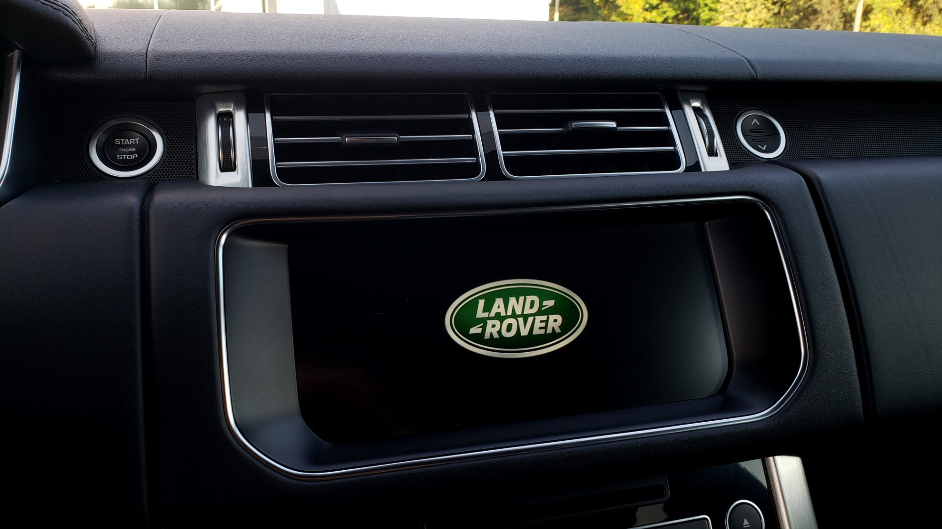 Used 2017 Land Rover RANGE ROVER SC V8 / NAV / PANO-ROOF / DRIVE PRO / MERIDIAN / REARVIEW for sale $68,995 at Formula Imports in Charlotte NC 28227 53