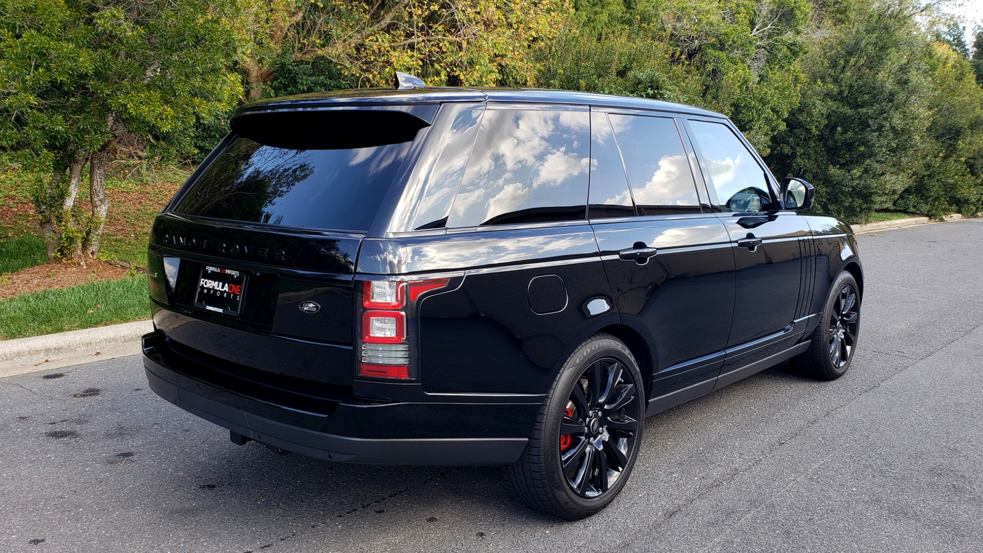 Used 2017 Land Rover RANGE ROVER SC V8 / NAV / PANO-ROOF / DRIVE PRO / MERIDIAN / REARVIEW for sale Sold at Formula Imports in Charlotte NC 28227 6
