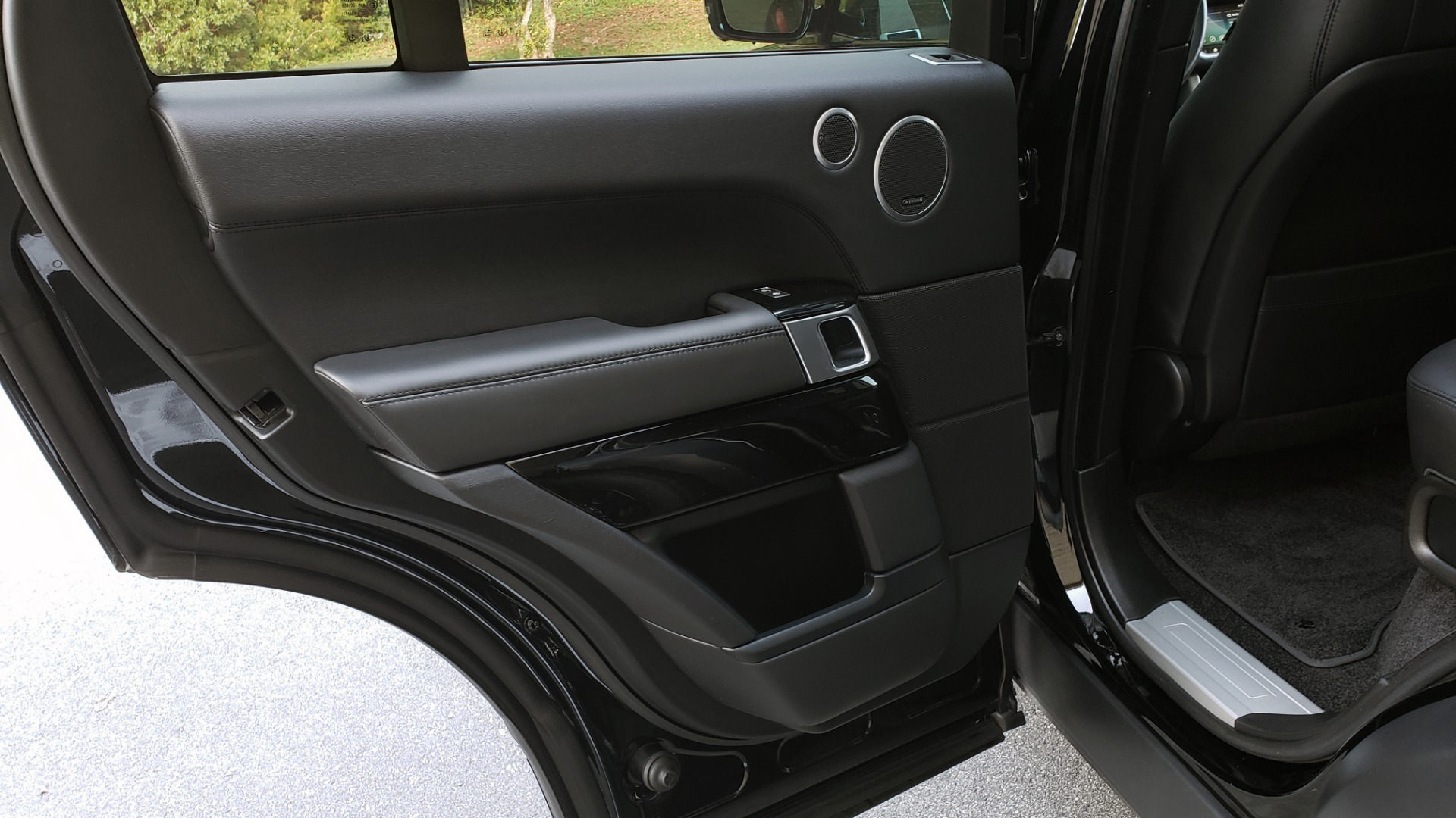Used 2017 Land Rover RANGE ROVER SC V8 / NAV / PANO-ROOF / DRIVE PRO / MERIDIAN / REARVIEW for sale $68,995 at Formula Imports in Charlotte NC 28227 63