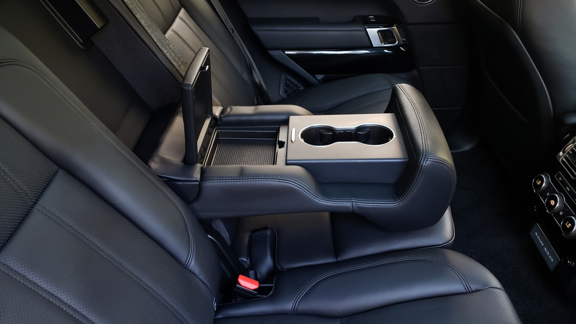 Used 2017 Land Rover RANGE ROVER SC V8 / NAV / PANO-ROOF / DRIVE PRO / MERIDIAN / REARVIEW for sale $68,995 at Formula Imports in Charlotte NC 28227 80