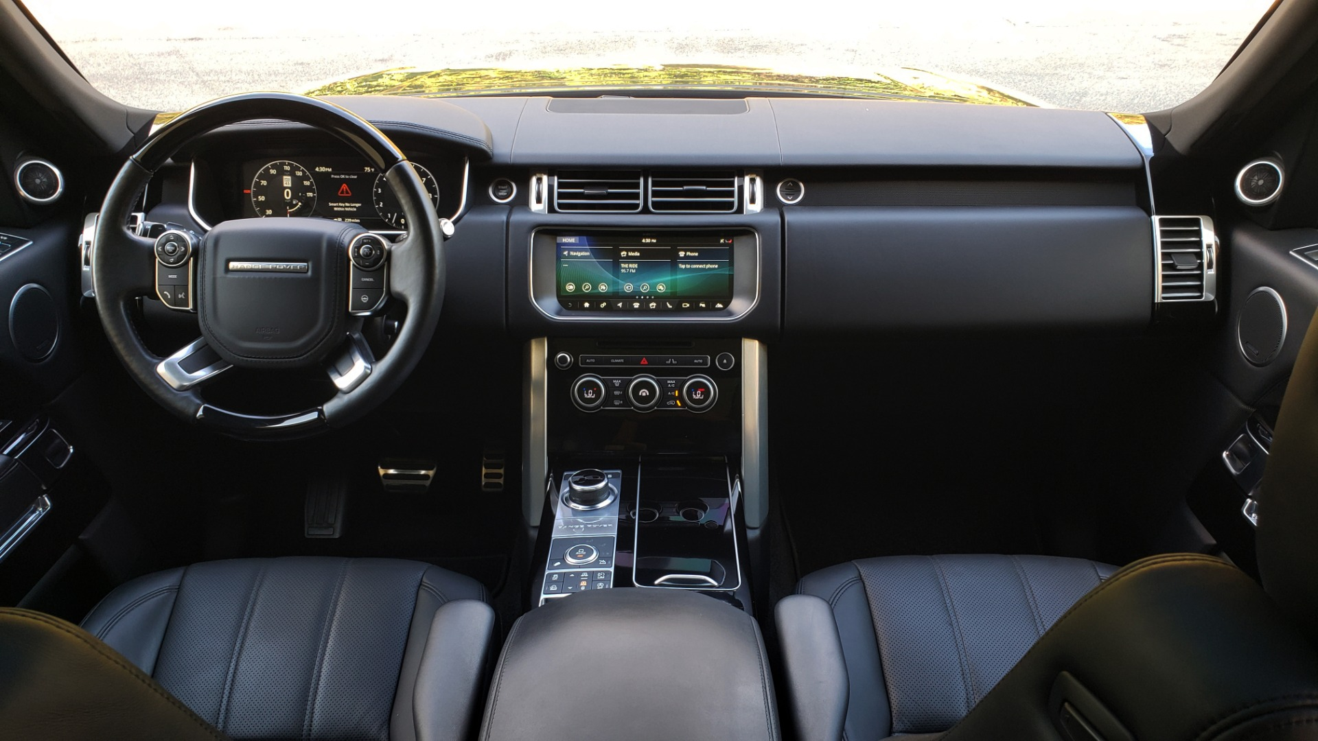 Used 2017 Land Rover RANGE ROVER SC V8 / NAV / PANO-ROOF / DRIVE PRO / MERIDIAN / REARVIEW for sale $68,995 at Formula Imports in Charlotte NC 28227 84