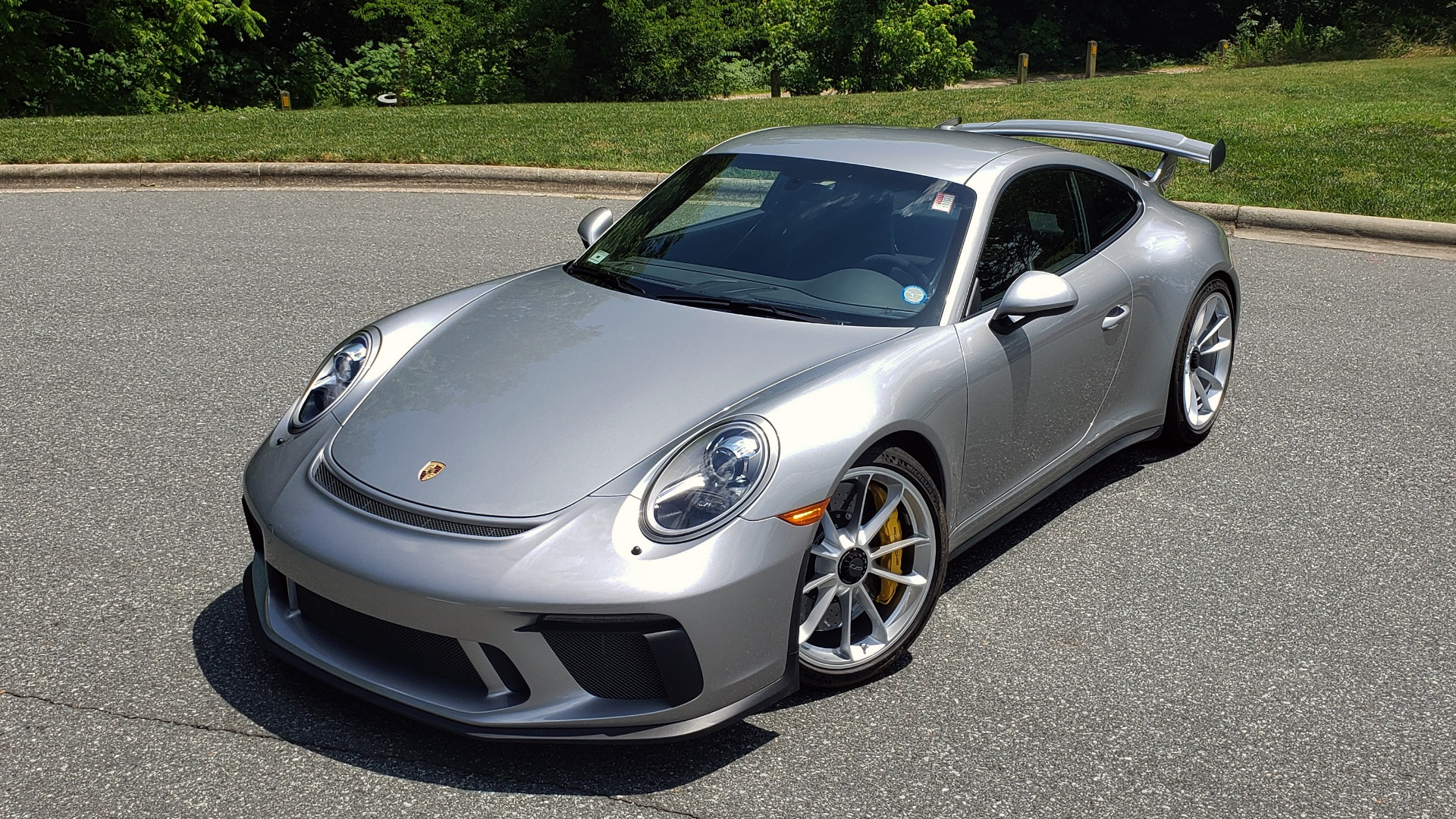 Used 2018 Porsche 911 GT3 4.0L 500HP / 6-SPD MNL / NAV / REARVIEW / PCCB for sale Sold at Formula Imports in Charlotte NC 28227 3