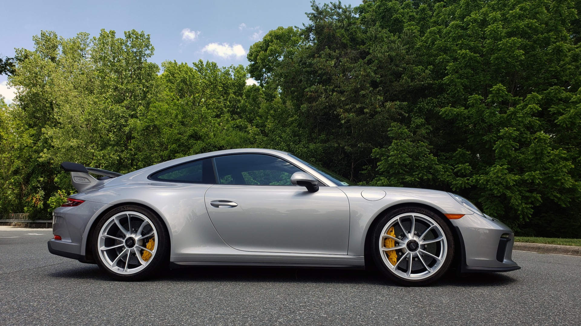 Used 2018 Porsche 911 GT3 4.0L 500HP / 6-SPD MNL / NAV / REARVIEW / PCCB for sale Sold at Formula Imports in Charlotte NC 28227 5
