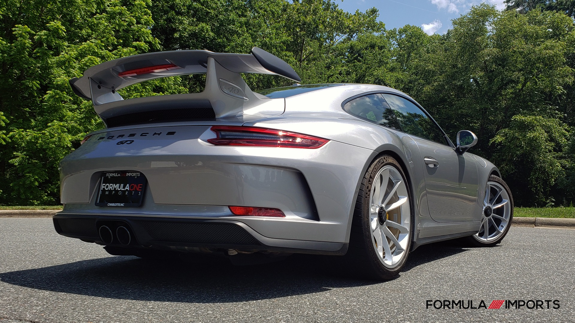 Used 2018 Porsche 911 GT3 4.0L 500HP / 6-SPD MNL / NAV / REARVIEW / PCCB for sale Sold at Formula Imports in Charlotte NC 28227 7