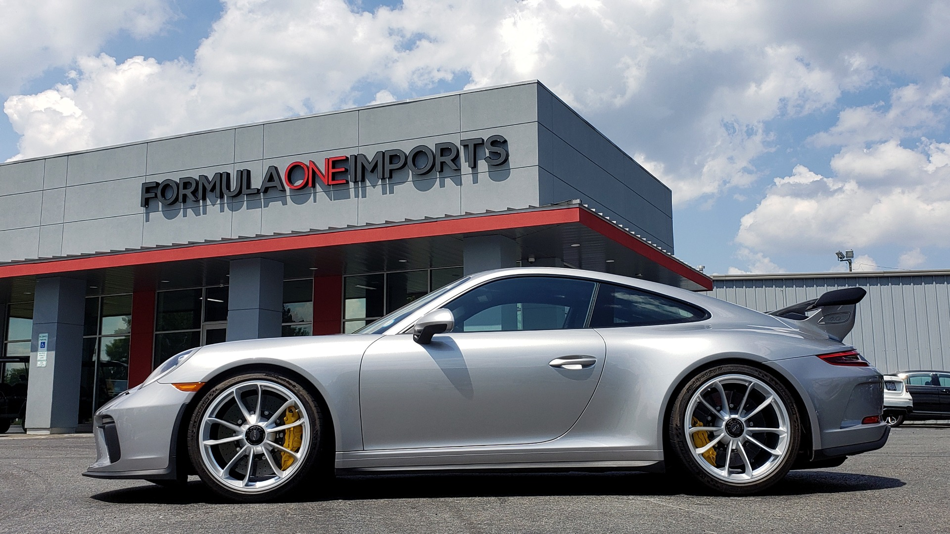 Used 2018 Porsche 911 GT3 4.0L 500HP / 6-SPD MNL / NAV / REARVIEW / PCCB for sale Sold at Formula Imports in Charlotte NC 28227 80