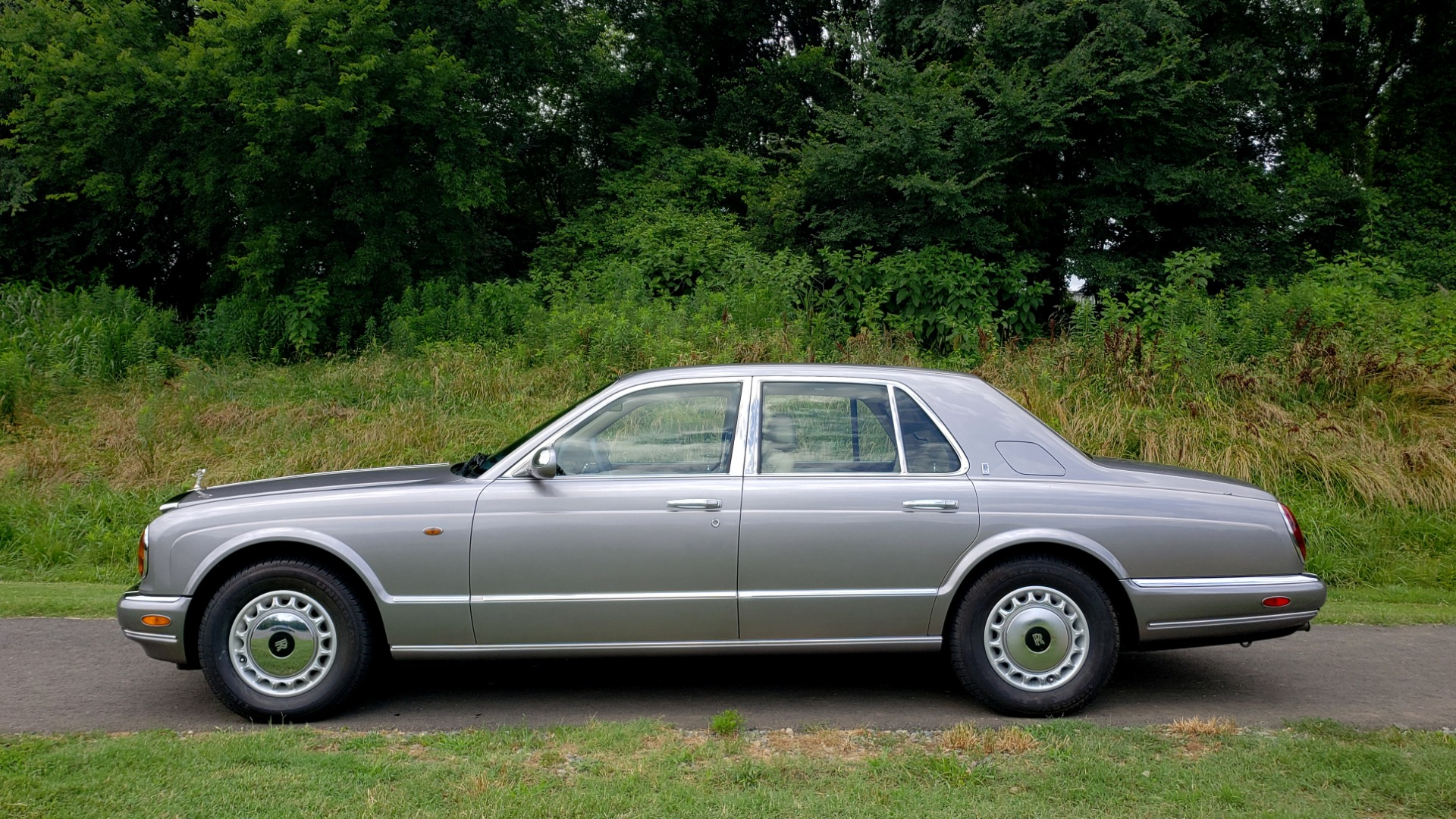 Used 1999 Rolls-Royce SILVER SERAPH 5.4L V12 / AUTO TRANS / LOW MILES / VERY CLEAN! for sale $34,999 at Formula Imports in Charlotte NC 28227 4