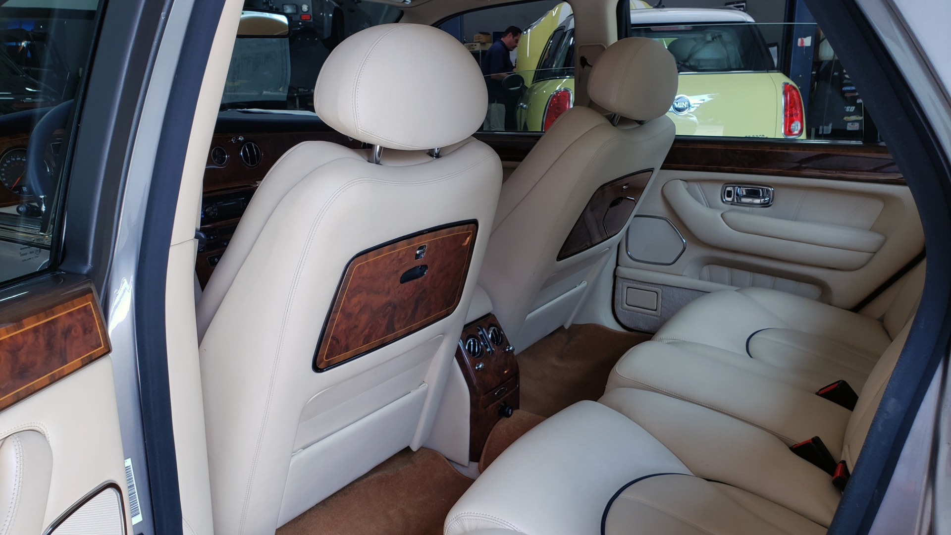 Used 1999 Rolls-Royce SILVER SERAPH 5.4L V12 / AUTO TRANS / LOW MILES / VERY CLEAN! for sale $34,999 at Formula Imports in Charlotte NC 28227 41