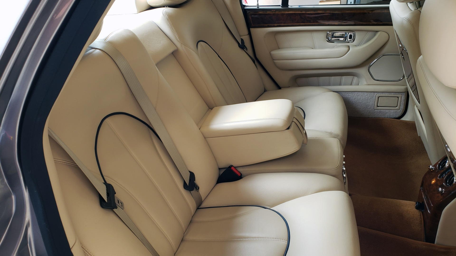 Used 1999 Rolls-Royce SILVER SERAPH 5.4L V12 / AUTO TRANS / LOW MILES / VERY CLEAN! for sale $34,999 at Formula Imports in Charlotte NC 28227 53