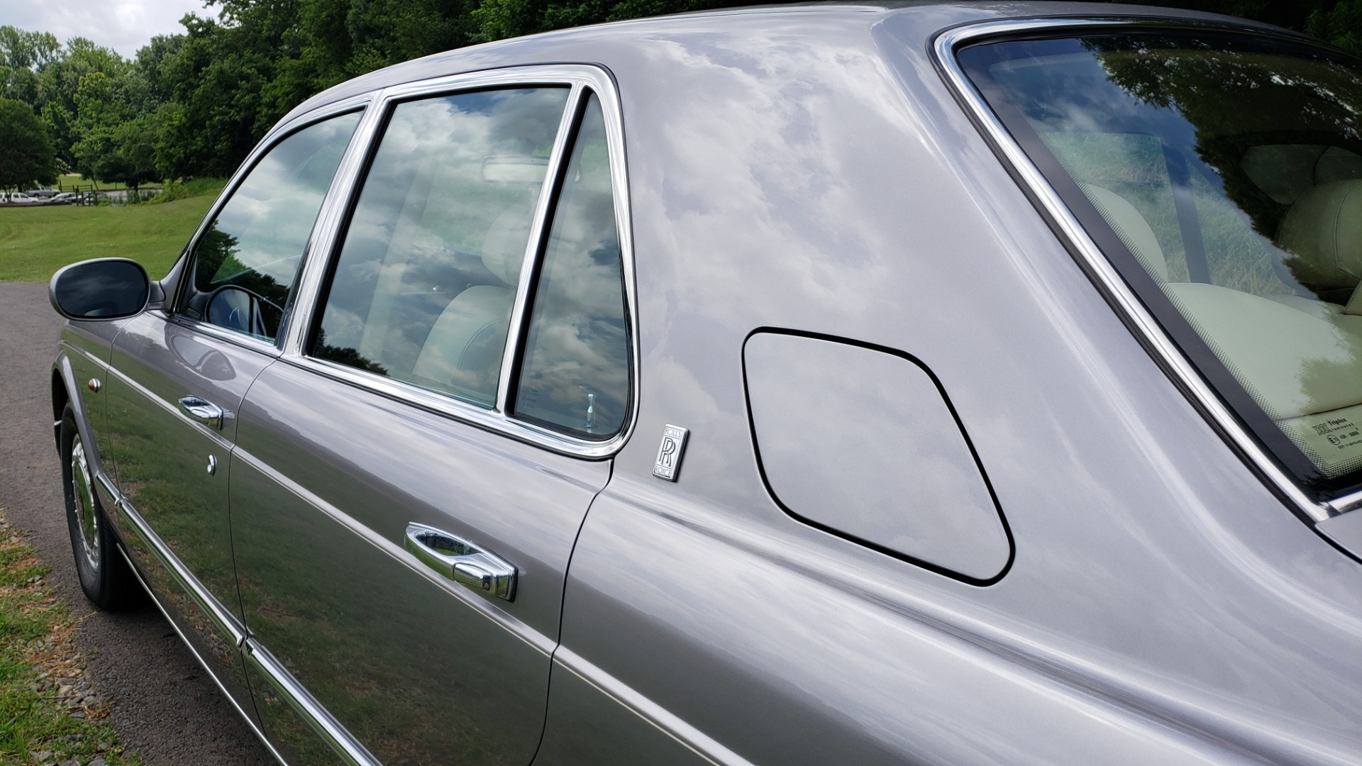 Used 1999 Rolls-Royce SILVER SERAPH 5.4L V12 / AUTO TRANS / LOW MILES / VERY CLEAN! for sale $34,999 at Formula Imports in Charlotte NC 28227 6