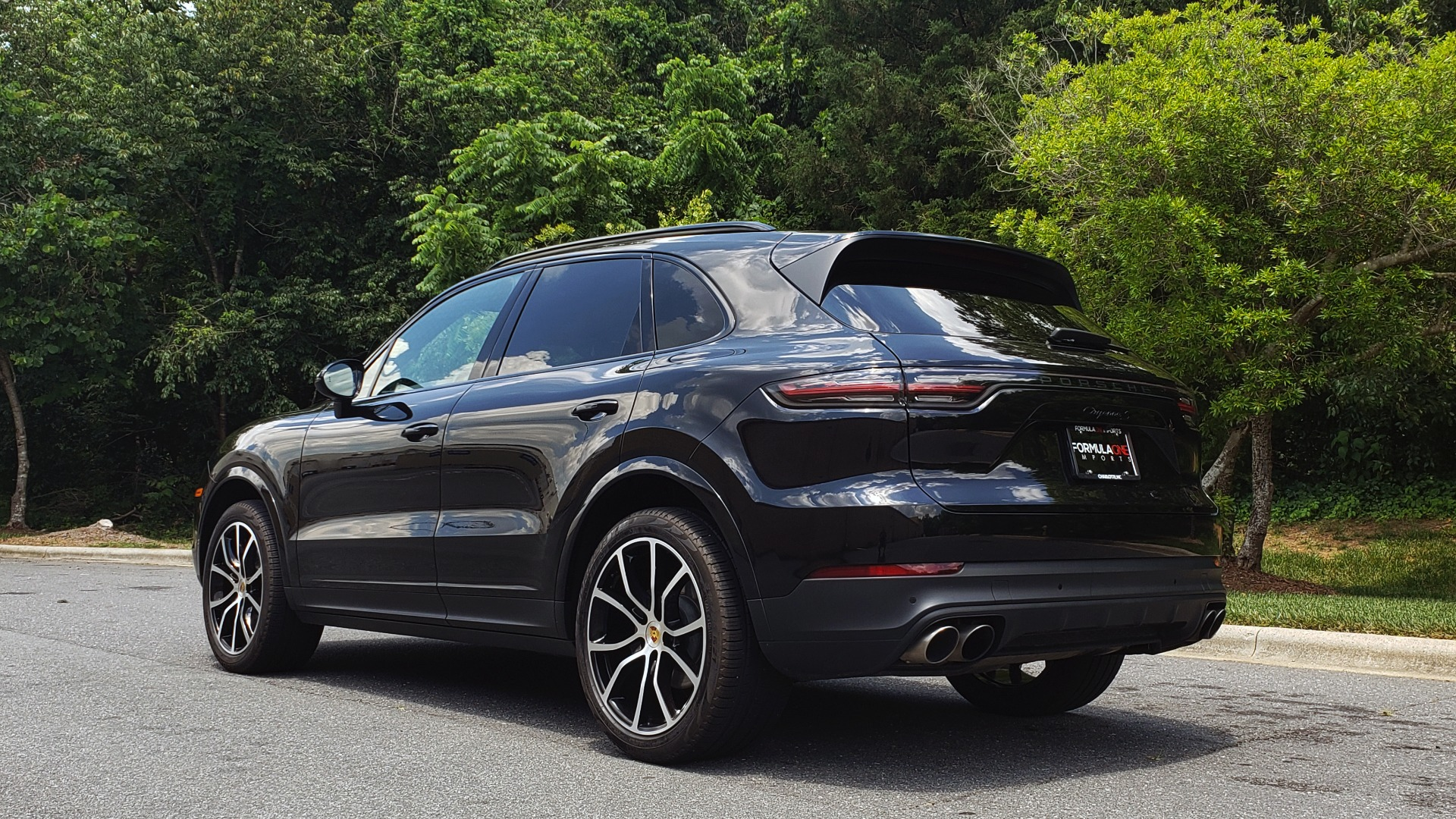 Used 2019 Porsche CAYENNE S AWD / NAV / SUNROOF / BOSE / REARVIEW / LOW MILES for sale Sold at Formula Imports in Charlotte NC 28227 3