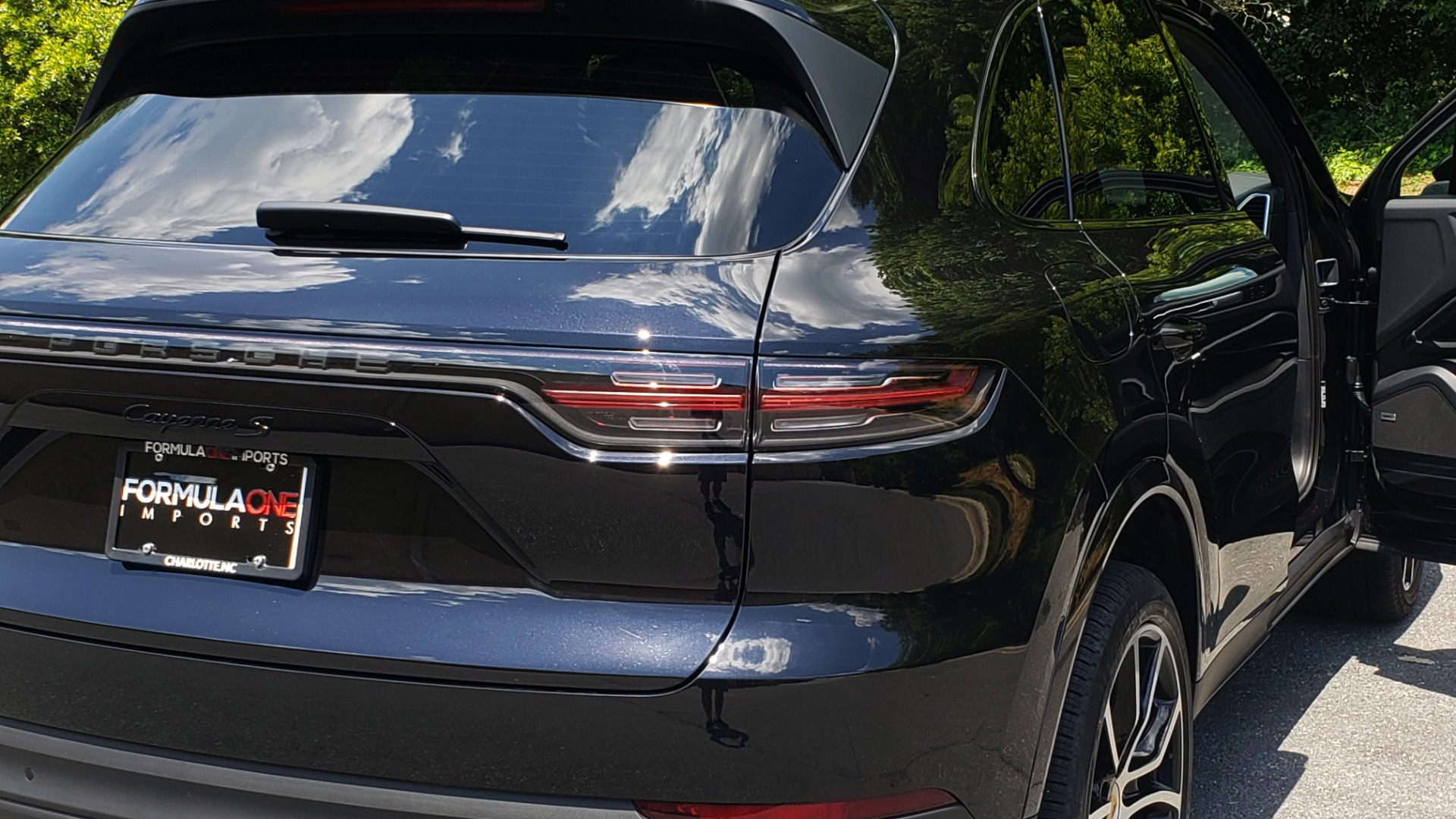 Used 2019 Porsche CAYENNE S AWD / NAV / SUNROOF / BOSE / REARVIEW / LOW MILES for sale Sold at Formula Imports in Charlotte NC 28227 37