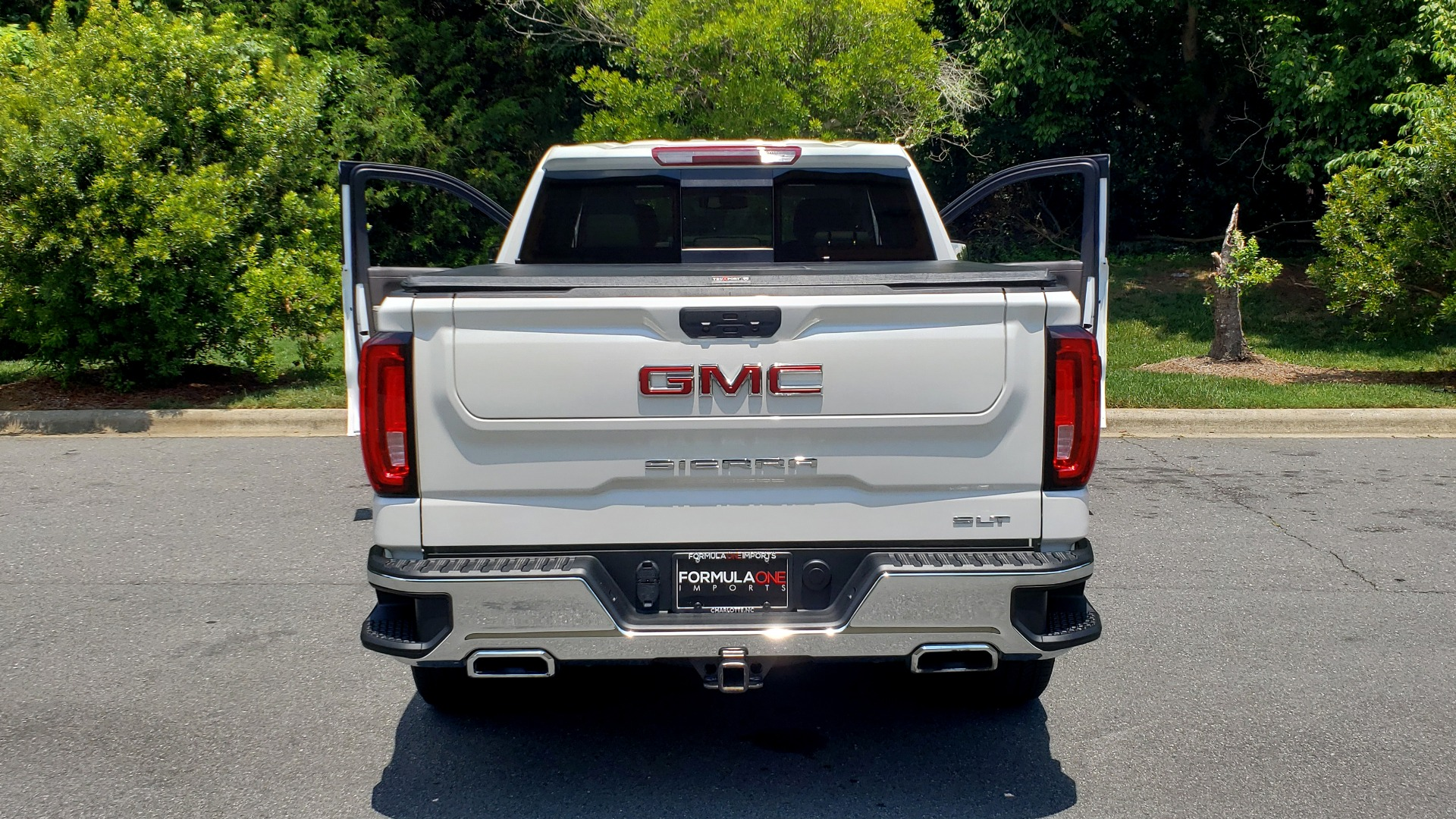Used 2019 GMC SIERRA 1500 SLT 4WD CREWCAB / PREMIUM / 6.2L V8 / NAV / SUNROOF / VENT SEATS for sale Sold at Formula Imports in Charlotte NC 28227 31
