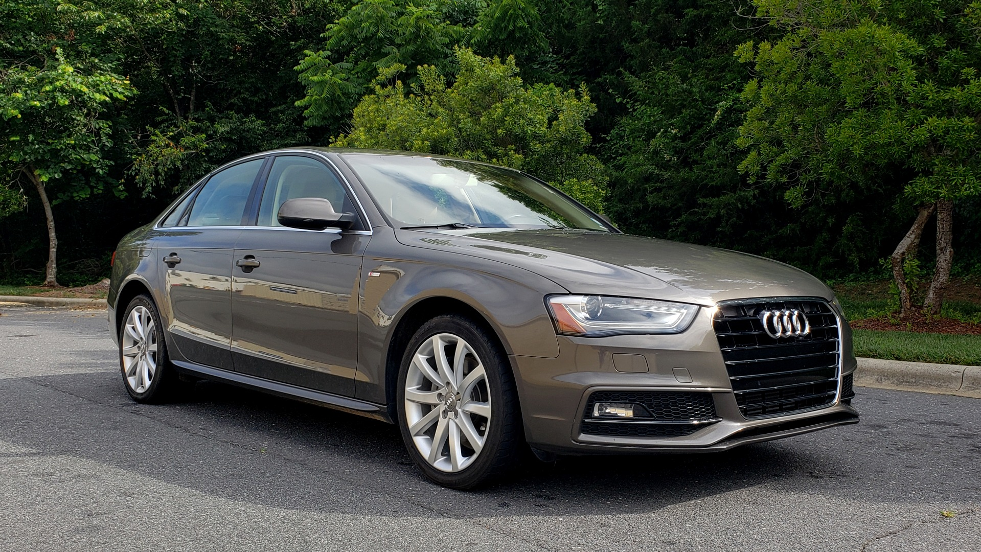 New 2014 Audi A4 PREMIUM / MULTITRONIC / FWD / SUNROOF / AUTO CLIMATE for sale Sold at Formula Imports in Charlotte NC 28227 4