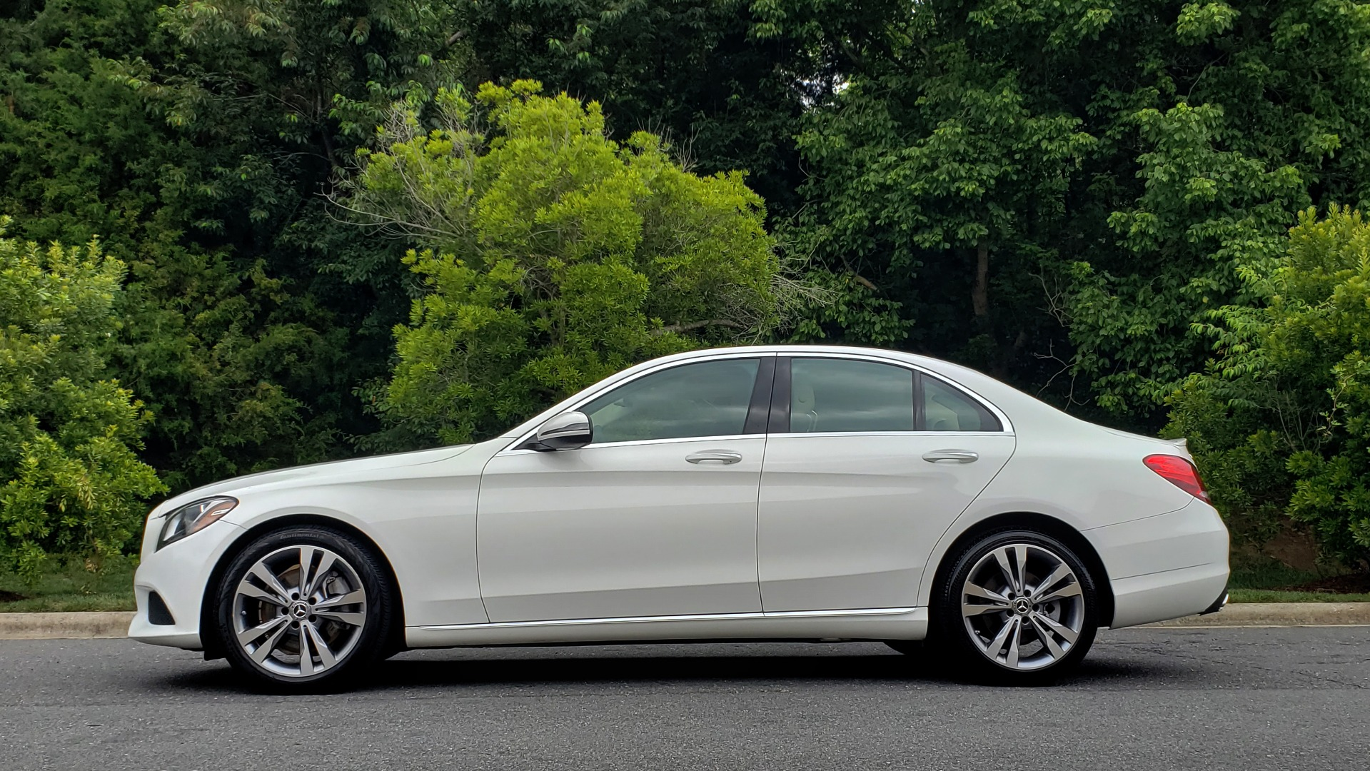 Used 2017 Mercedes-Benz C-CLASS C 300 PREMIUM SEDAN / NAV / PANO-ROOF / HTD STS / REARVIEW for sale Sold at Formula Imports in Charlotte NC 28227 2